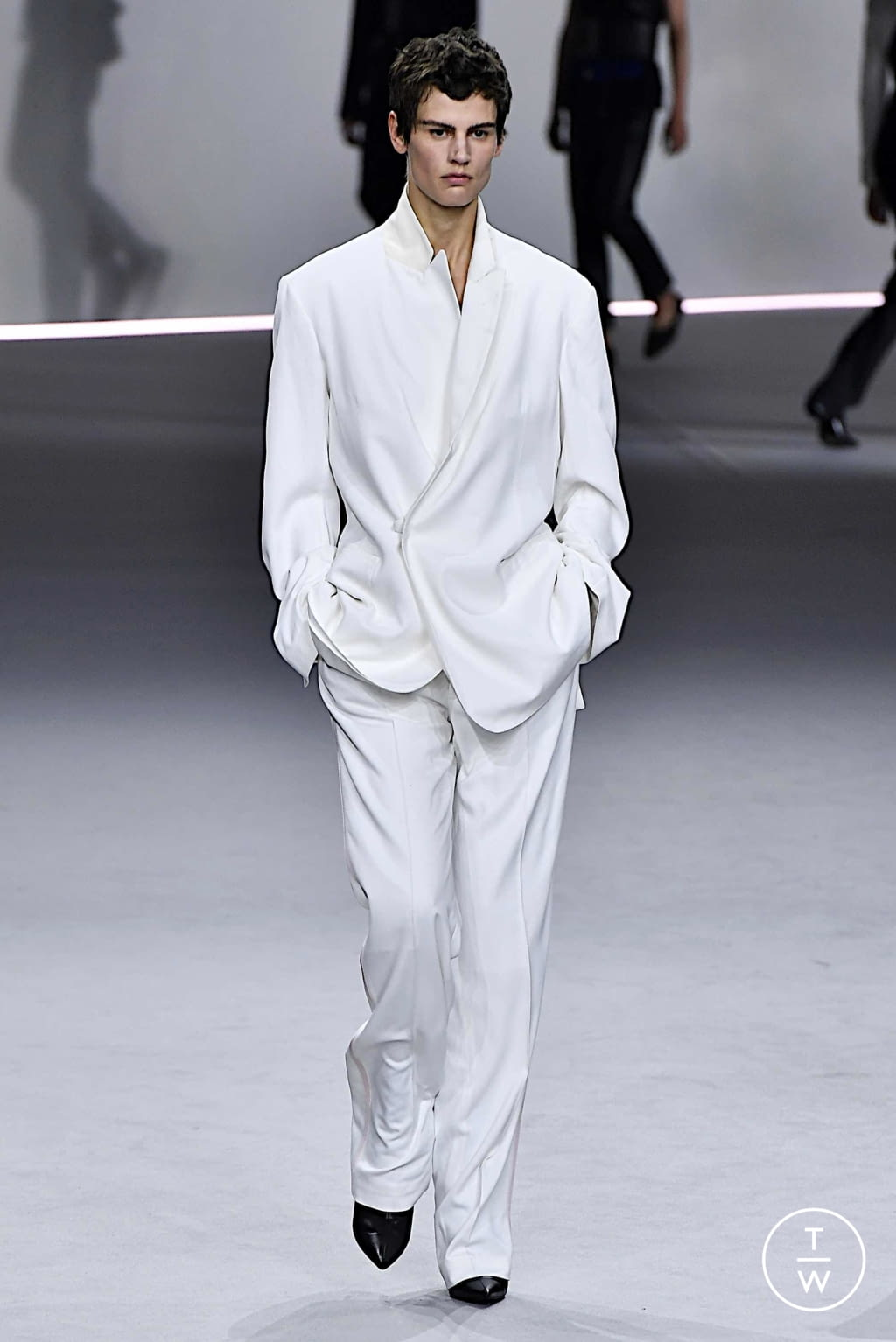 Fashion Week Paris Spring/Summer 2020 look 17 from the Haider Ackermann collection womenswear