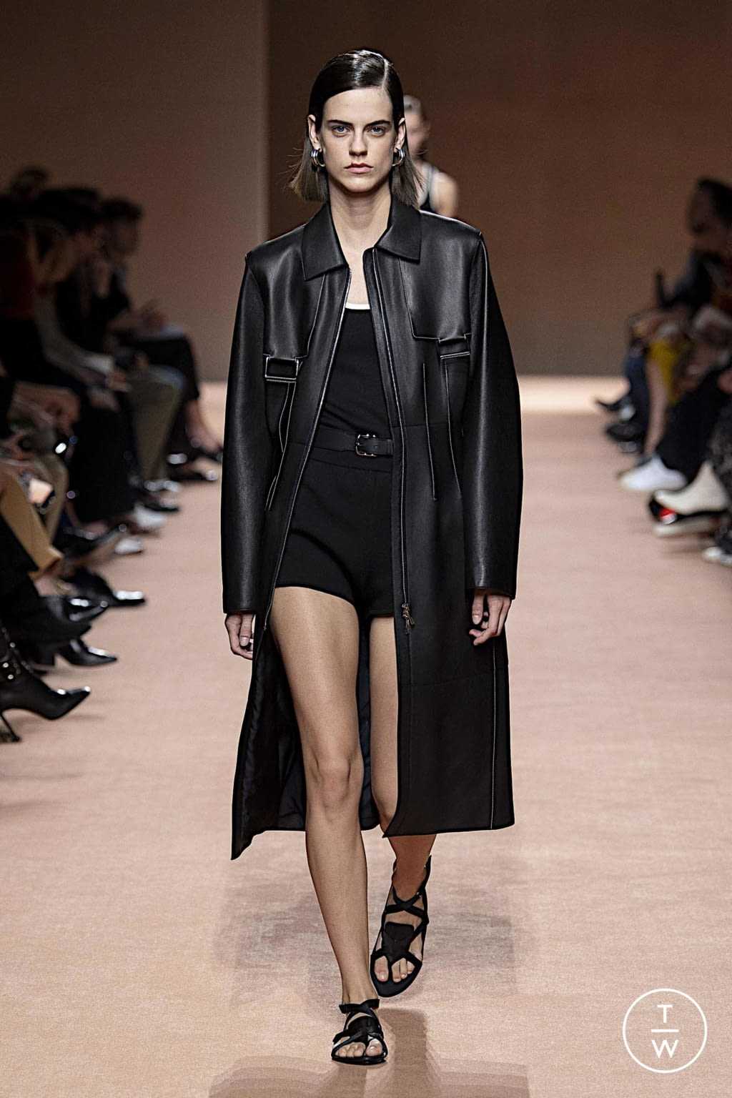 Fashion Week Paris Spring/Summer 2020 look 21 from the Hermès collection womenswear