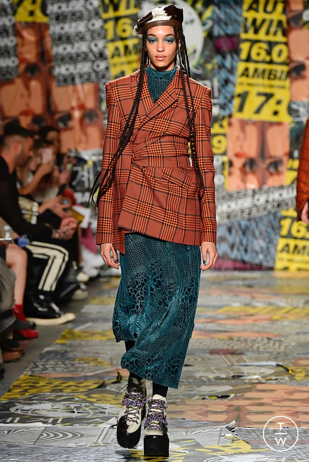 Fashion Week London Fall/Winter 2019 look 2 from the House of Holland collection womenswear