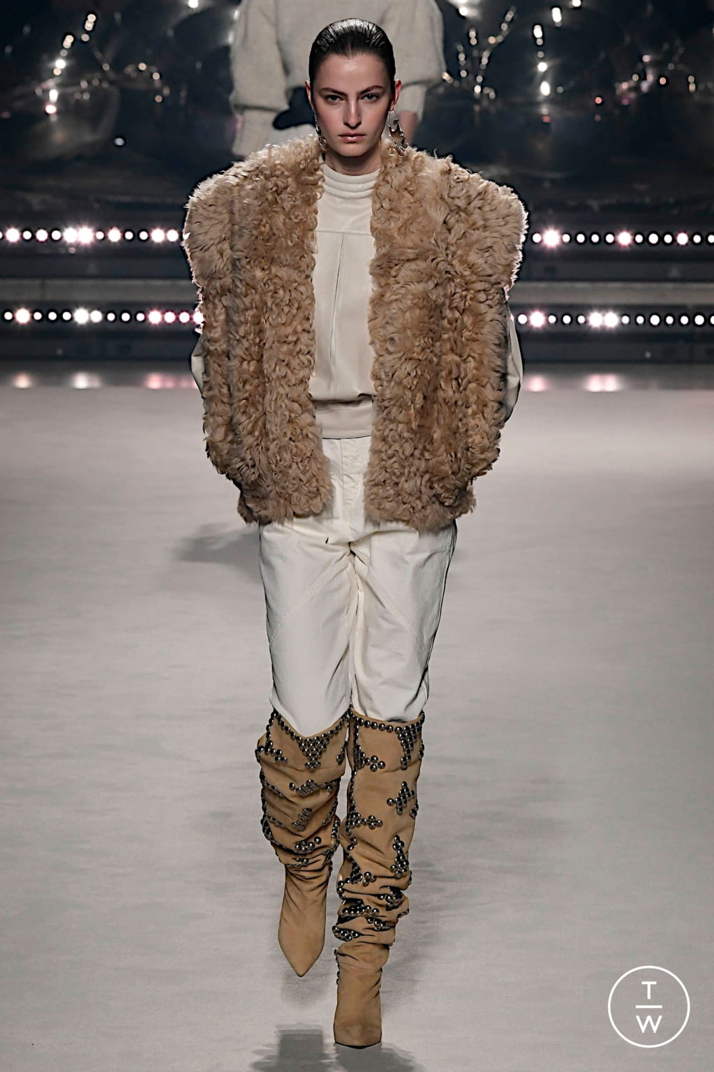 Fashion Week Paris Fall/Winter 2020 look 6 from the Isabel Marant collection womenswear