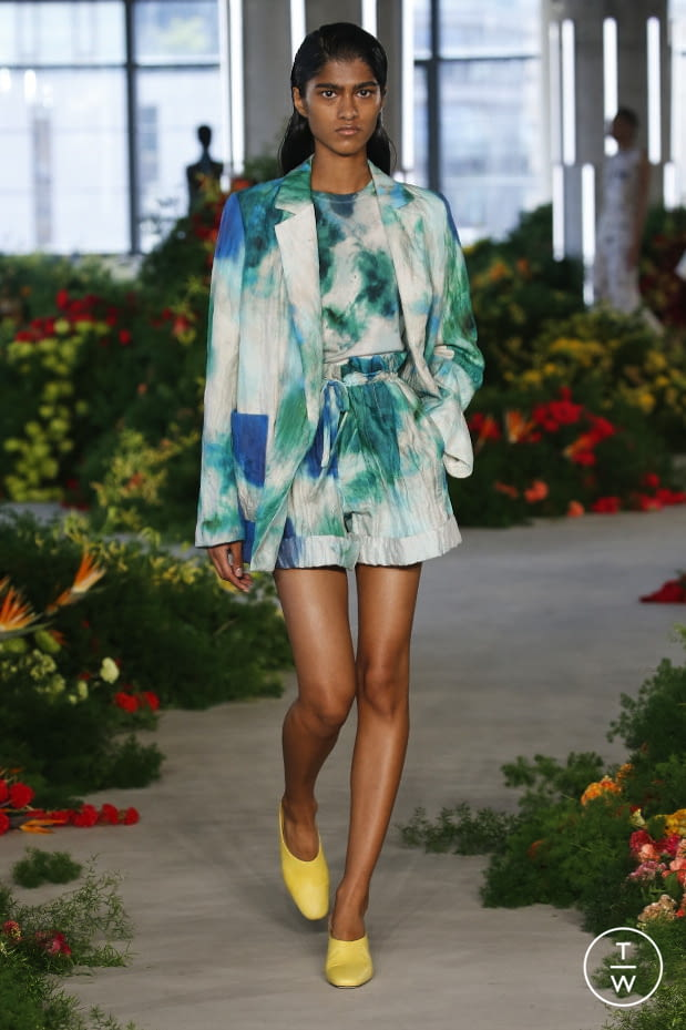 Fashion Week New York Spring/Summer 2022 look 22 from the Jason Wu collection womenswear