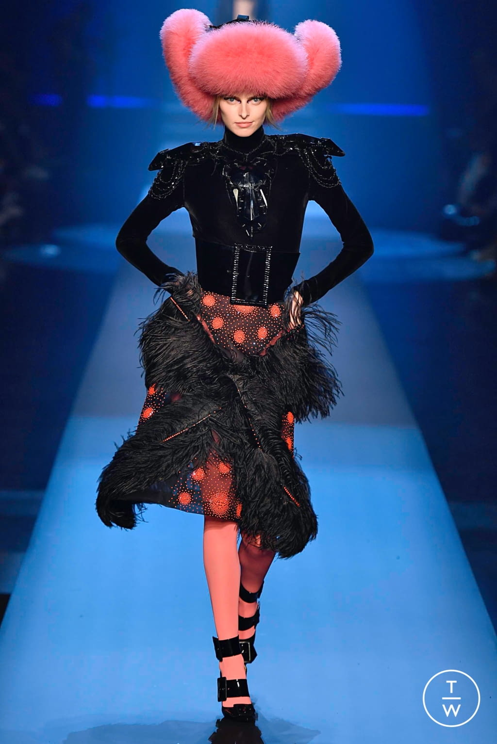 Fashion Week Paris Fall/Winter 2019 look 33 from the Jean Paul Gaultier collection couture