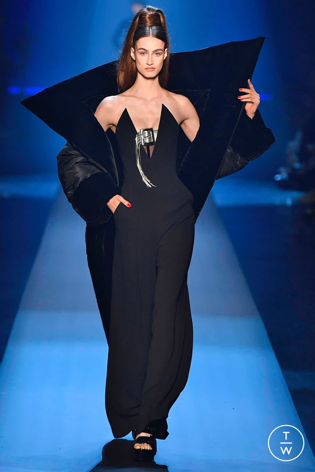 Fashion Week Paris Fall/Winter 2019 look 36 from the Jean Paul Gaultier collection couture