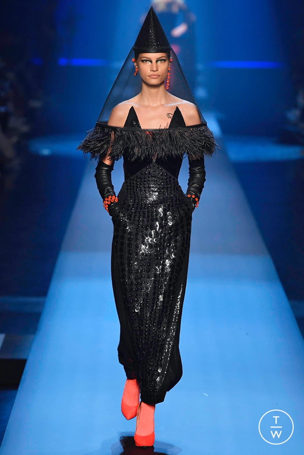 Fashion Week Paris Fall/Winter 2019 look 38 from the Jean Paul Gaultier collection 高级定制