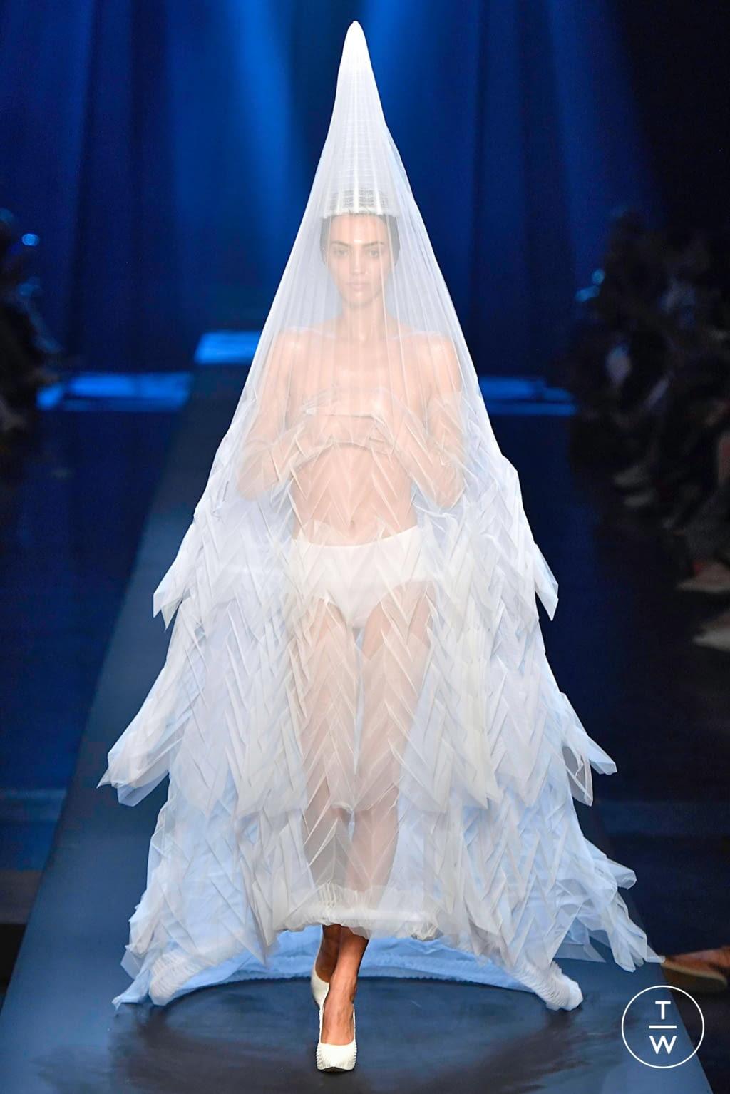 Fashion Week Paris Fall/Winter 2019 look 59 de la collection Jean Paul Gaultier couture