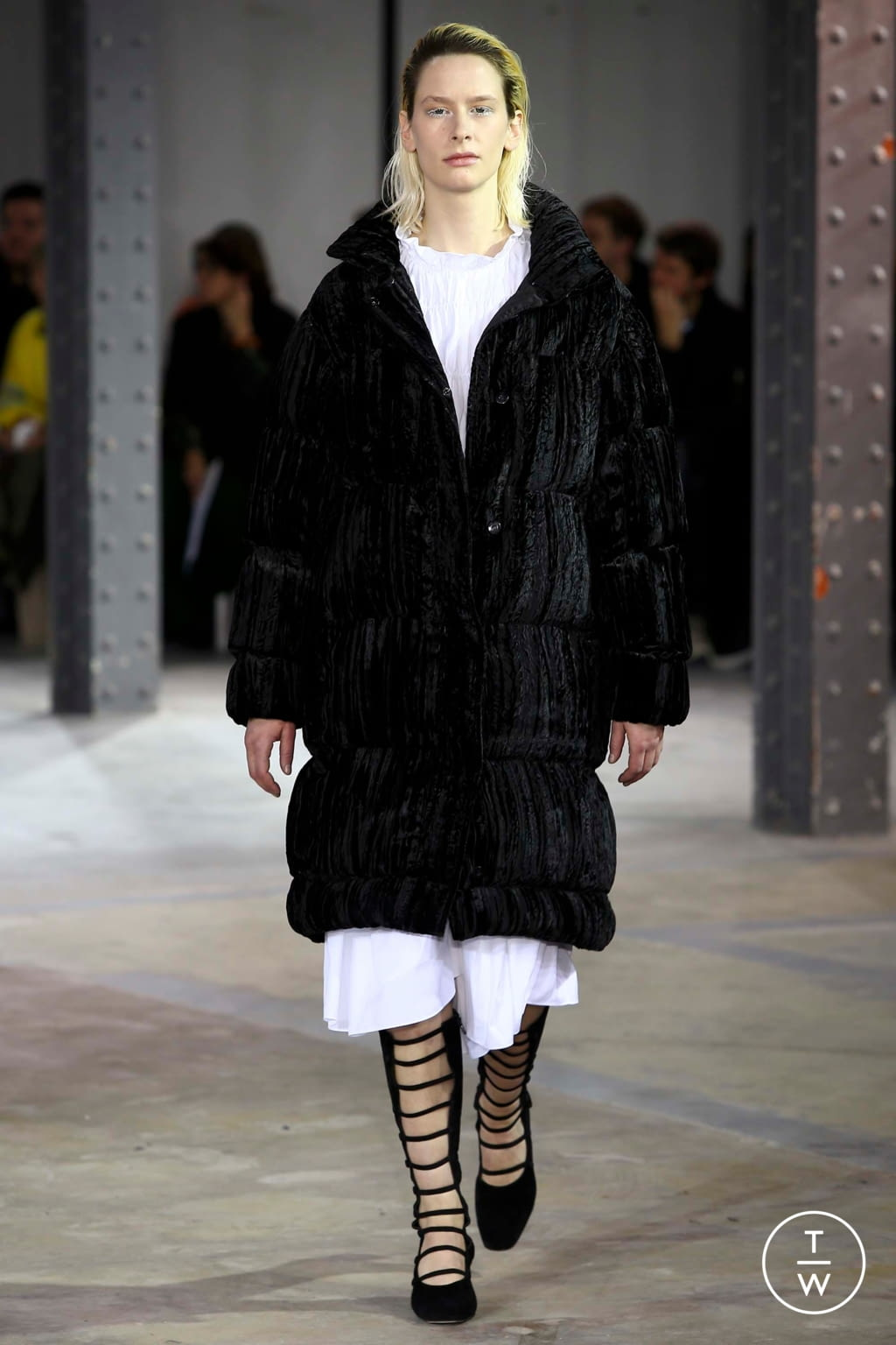 Fashion Week Paris Fall/Winter 2018 look 12 from the Anaïs Jourden collection womenswear