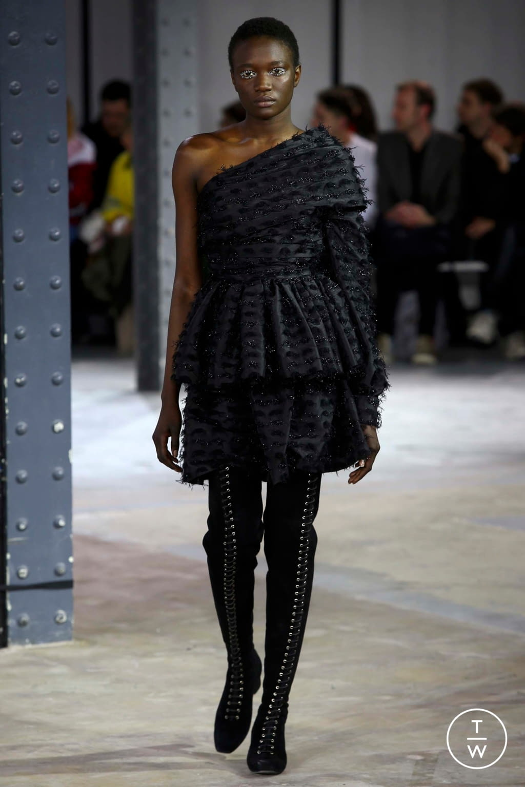 Fashion Week Paris Fall/Winter 2018 look 13 from the Anaïs Jourden collection womenswear