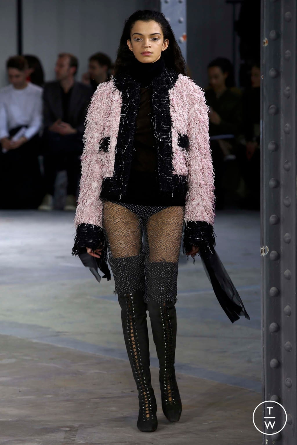 Fashion Week Paris Fall/Winter 2018 look 18 de la collection Anaïs Jourden womenswear