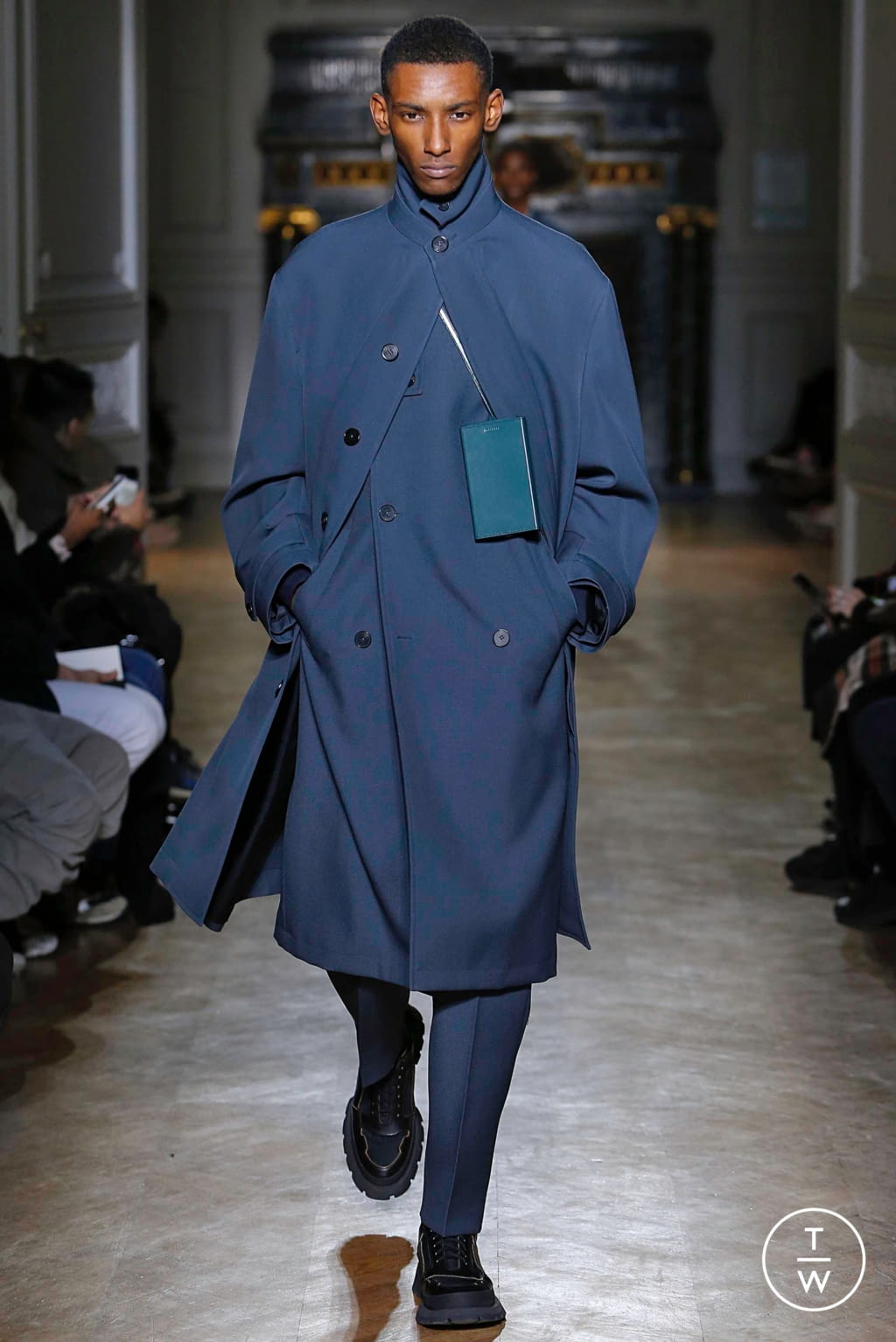 Fashion Week Paris Fall/Winter 2019 look 1 from the Jil Sander collection menswear