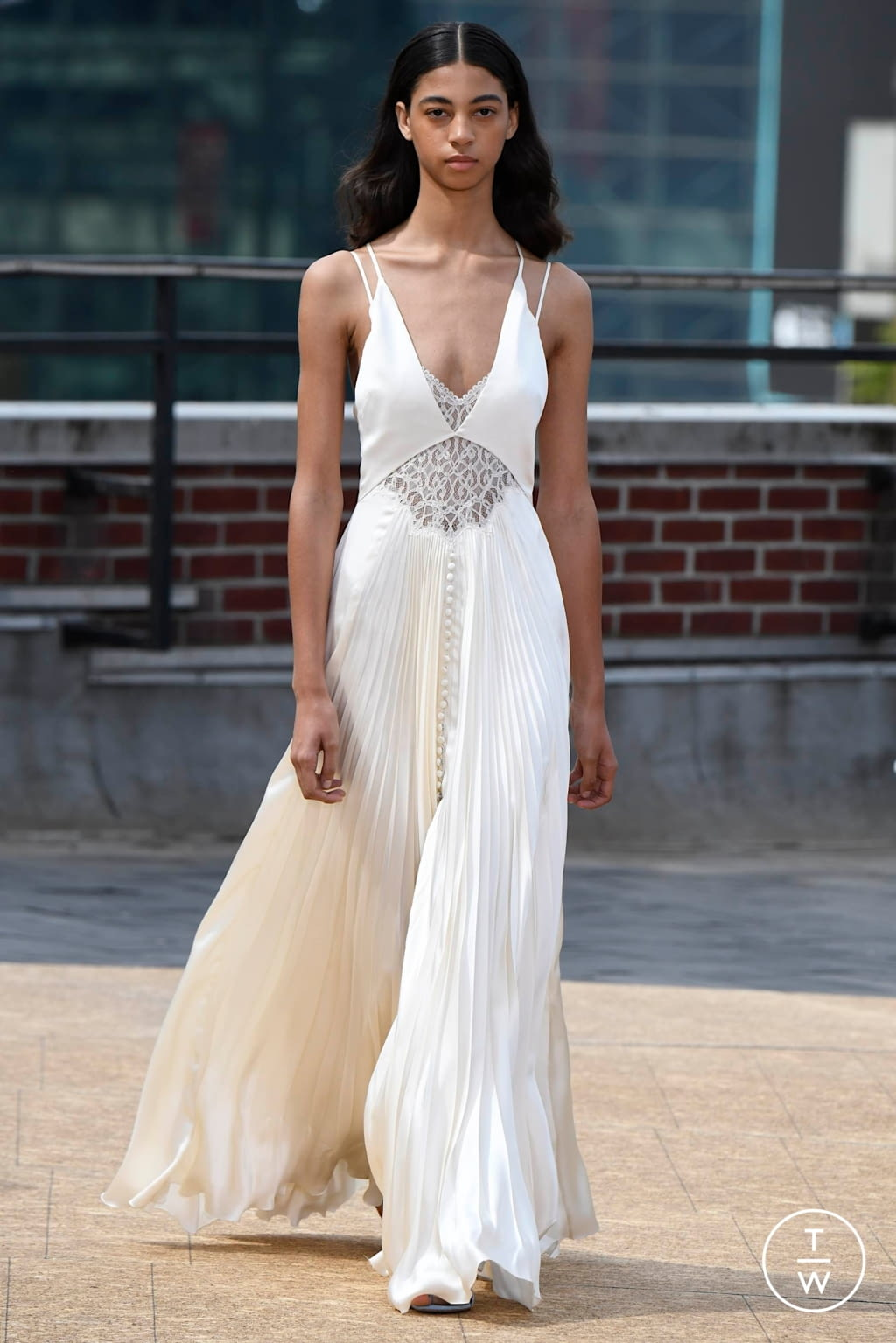 Fashion Week New York Spring/Summer 2020 look 31 from the Jonathan Simkhai collection womenswear