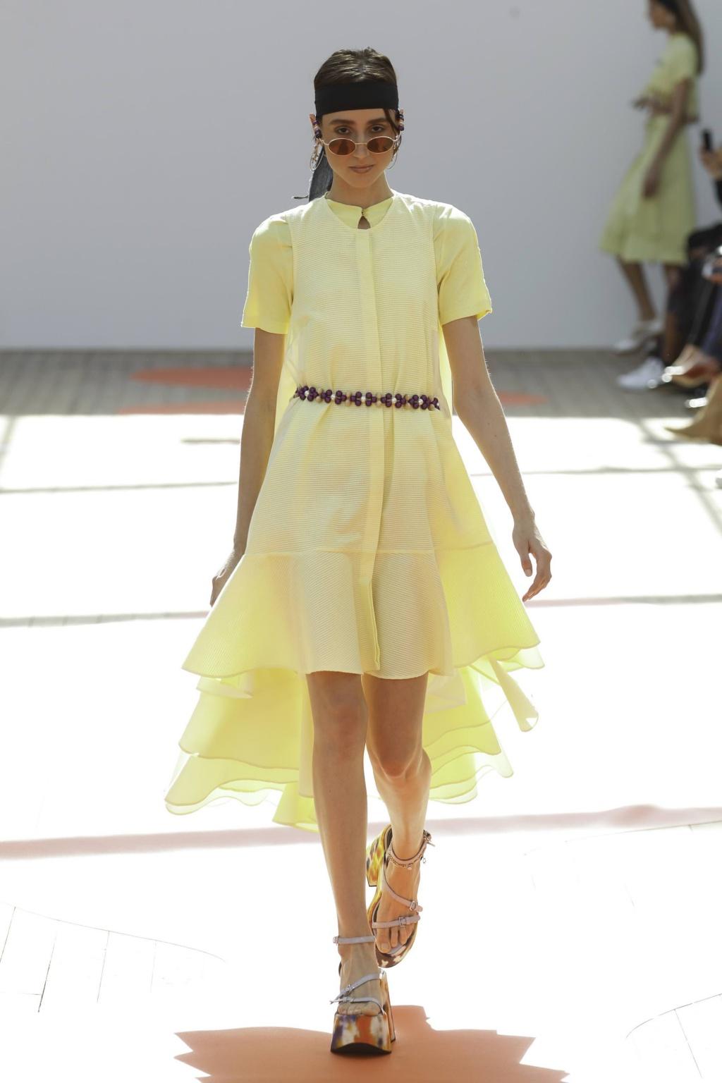 Fashion Week Paris Spring/Summer 2019 look 13 de la collection Jour/Né womenswear