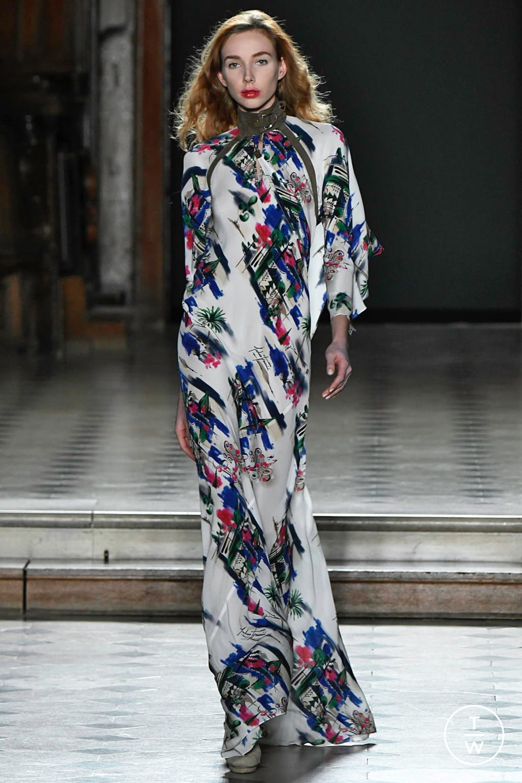Fashion Week Paris Spring/Summer 2019 look 15 from the Julien Fournié collection couture
