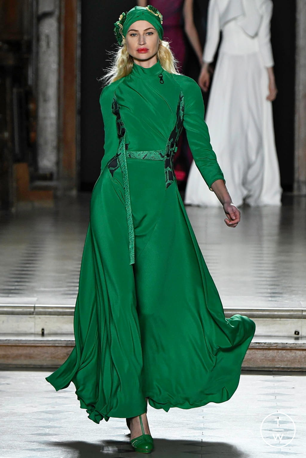 Fashion Week Paris Spring/Summer 2019 look 22 from the Julien Fournié collection couture