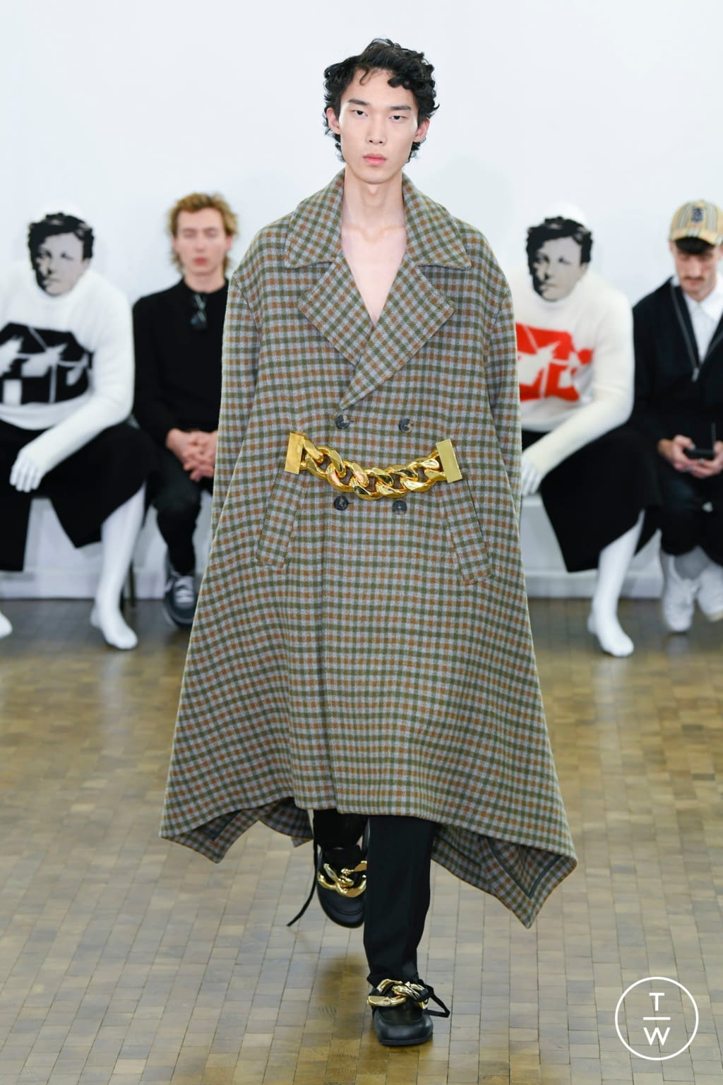 Fashion Week Paris Fall/Winter 2020 look 4 from the JW Anderson collection menswear