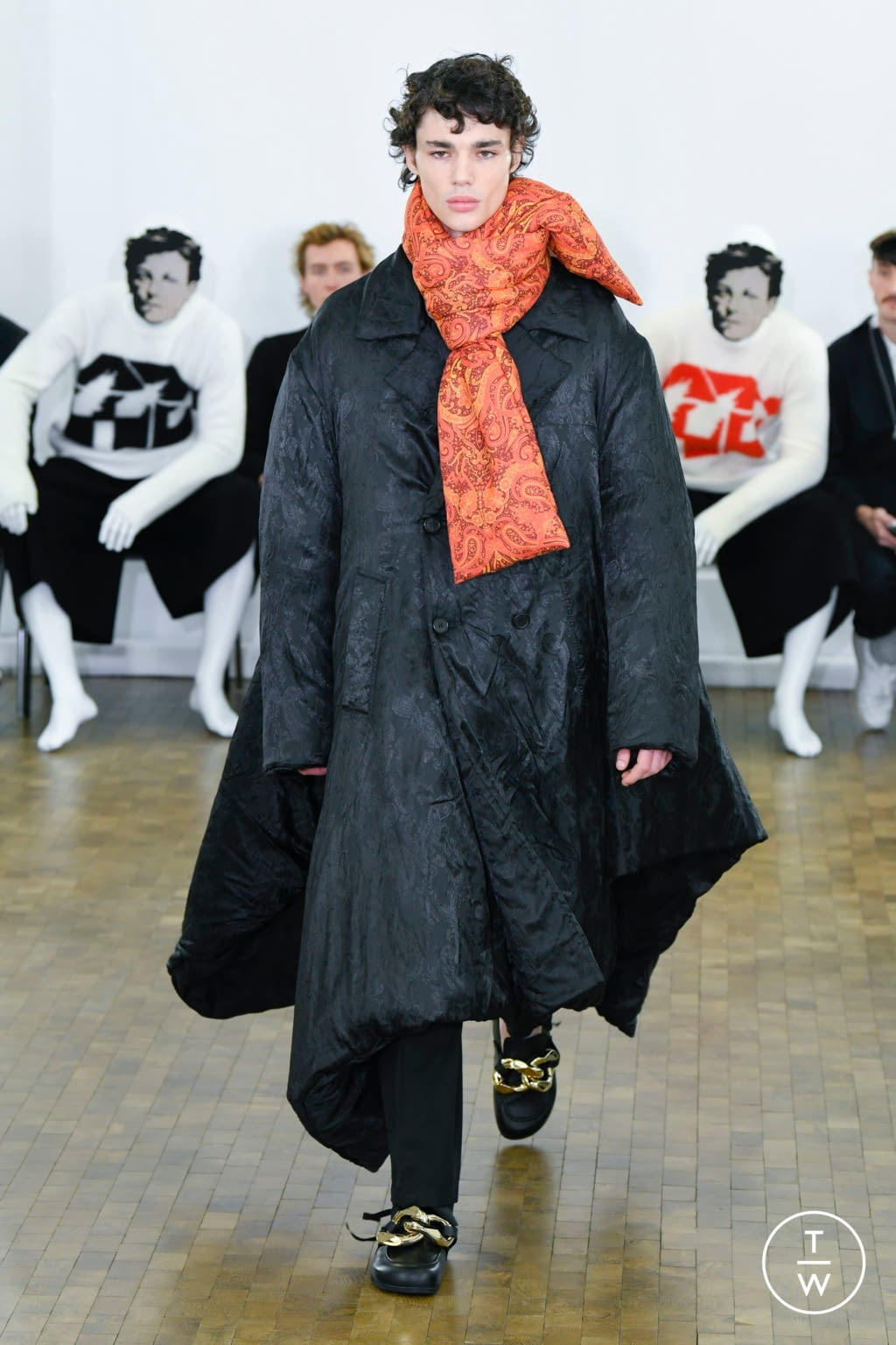 Fashion Week Paris Fall/Winter 2020 look 13 from the JW Anderson collection 男装