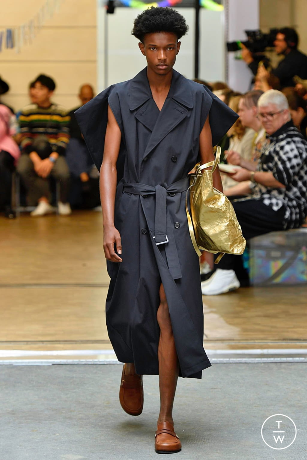 Fashion Week Paris Spring/Summer 2020 look 1 de la collection JW Anderson menswear