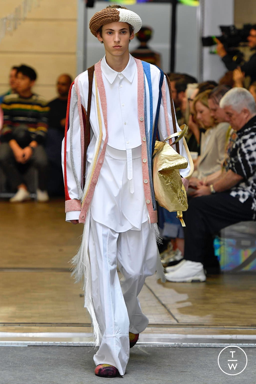 Fashion Week Paris Spring/Summer 2020 look 11 from the JW Anderson collection menswear