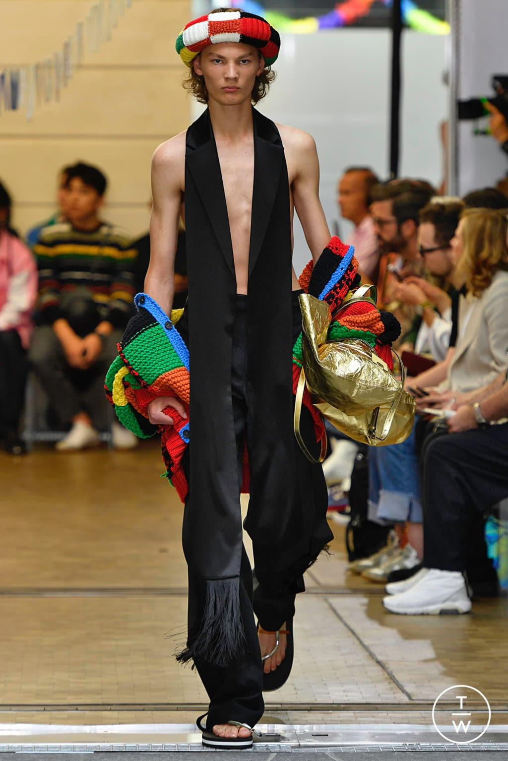 Fashion Week Paris Spring/Summer 2020 look 15 from the JW Anderson collection menswear