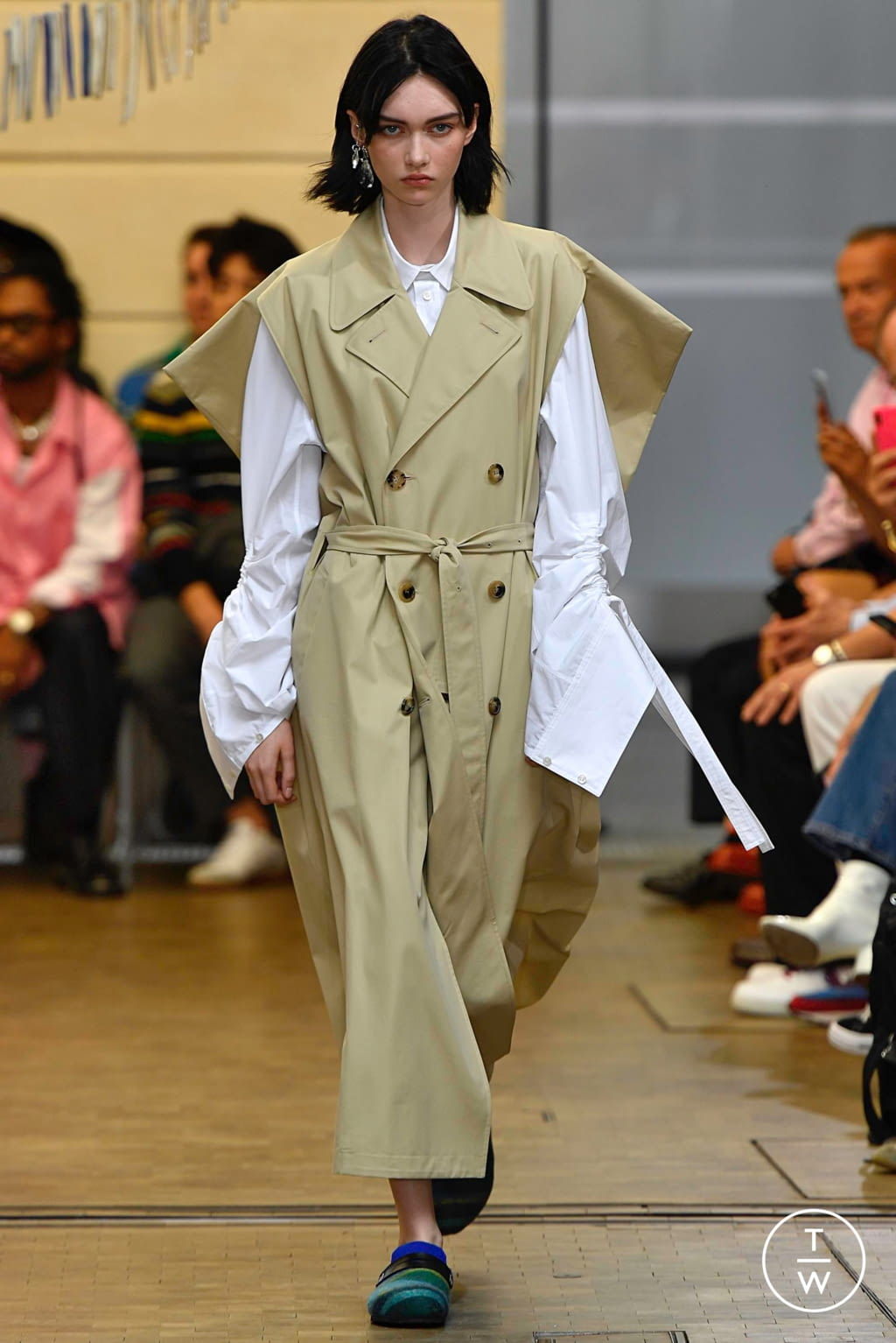 Fashion Week Paris Spring/Summer 2020 look 17 from the JW Anderson collection menswear