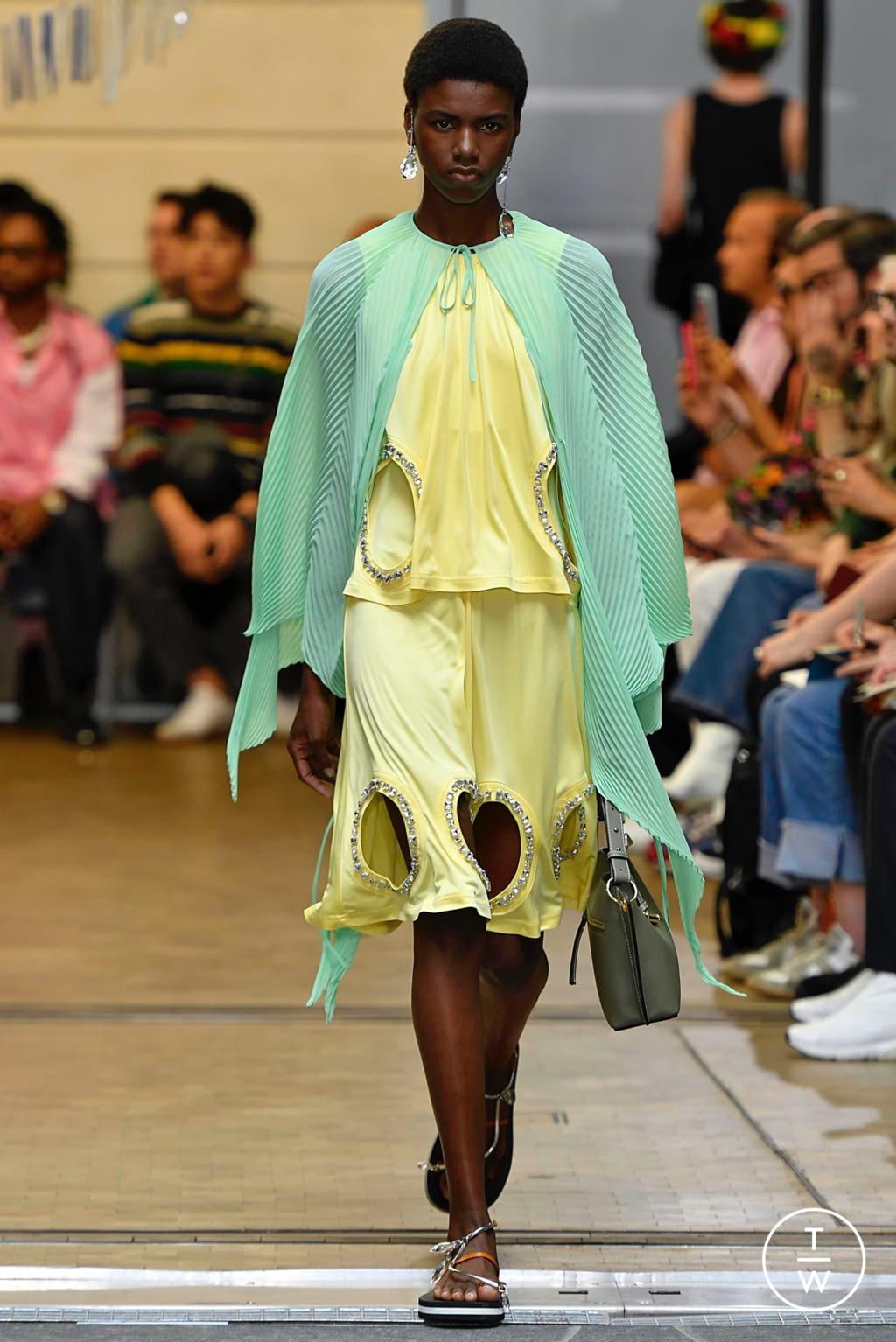 Fashion Week Paris Spring/Summer 2020 look 24 de la collection JW Anderson menswear