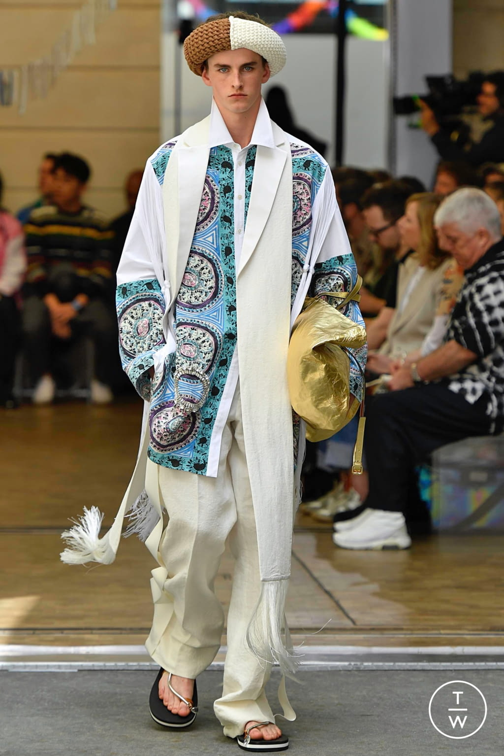 Fashion Week Paris Spring/Summer 2020 look 34 from the JW Anderson collection menswear