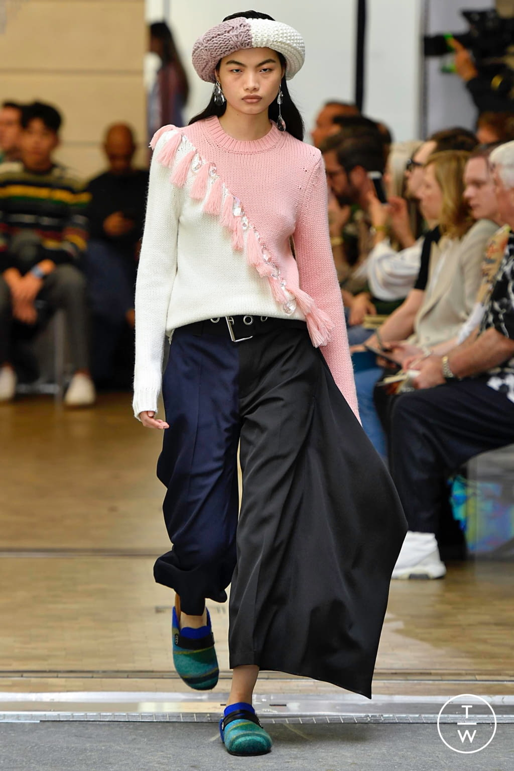 Fashion Week Paris Spring/Summer 2020 look 36 from the JW Anderson collection menswear