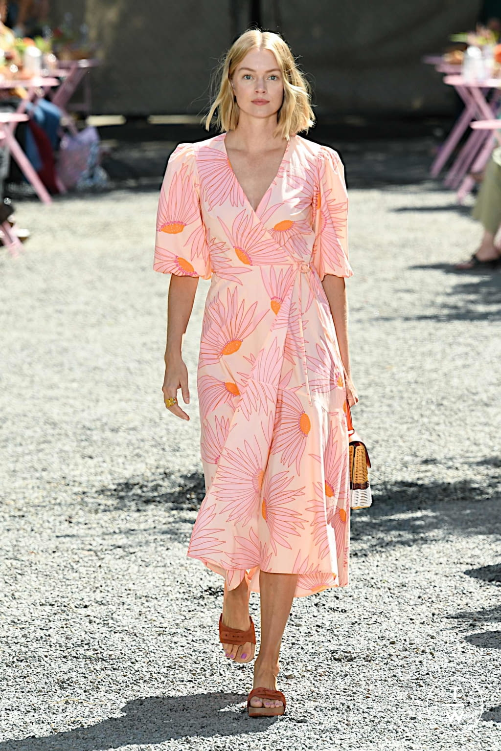 Fashion Week New York Spring/Summer 2020 look 18 from the Kate Spade New York collection womenswear