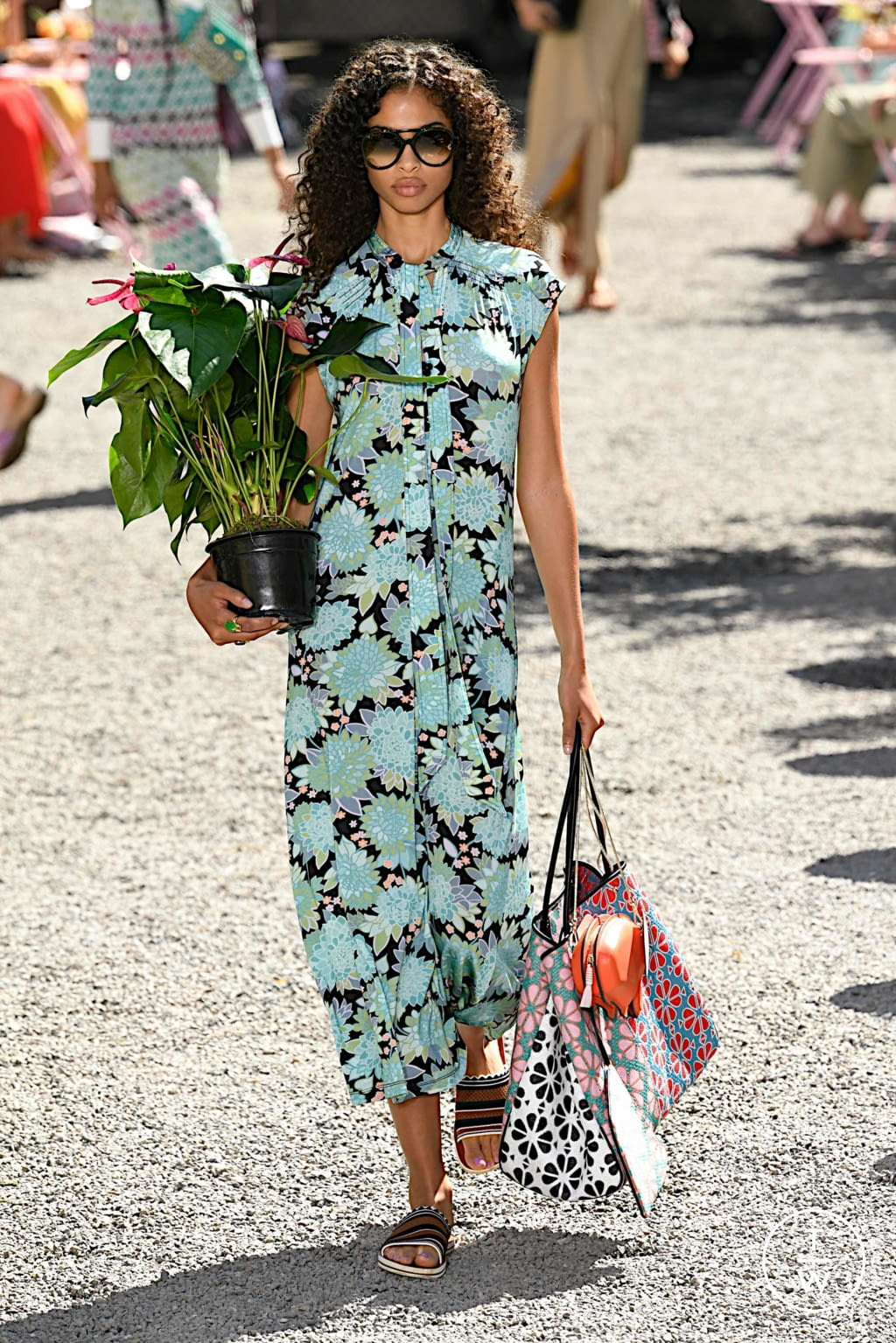 Fashion Week New York Spring/Summer 2020 look 23 from the Kate Spade New York collection womenswear