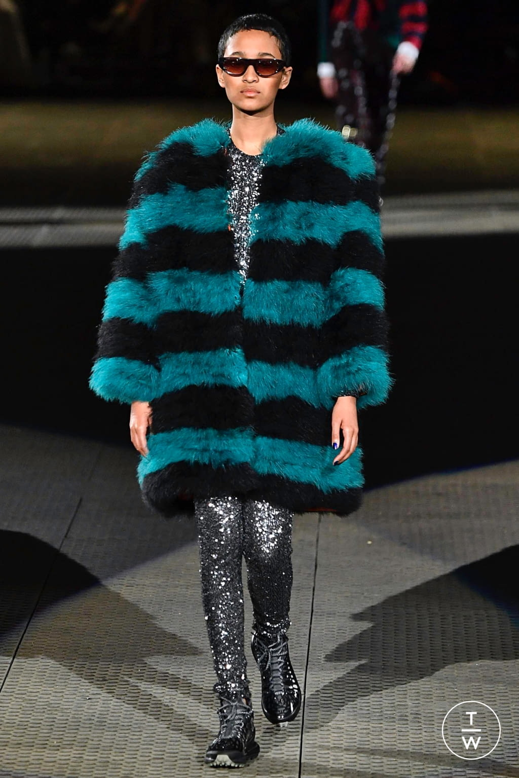 Fashion Week Paris Fall/Winter 2019 look 15 from the Koché collection 女装
