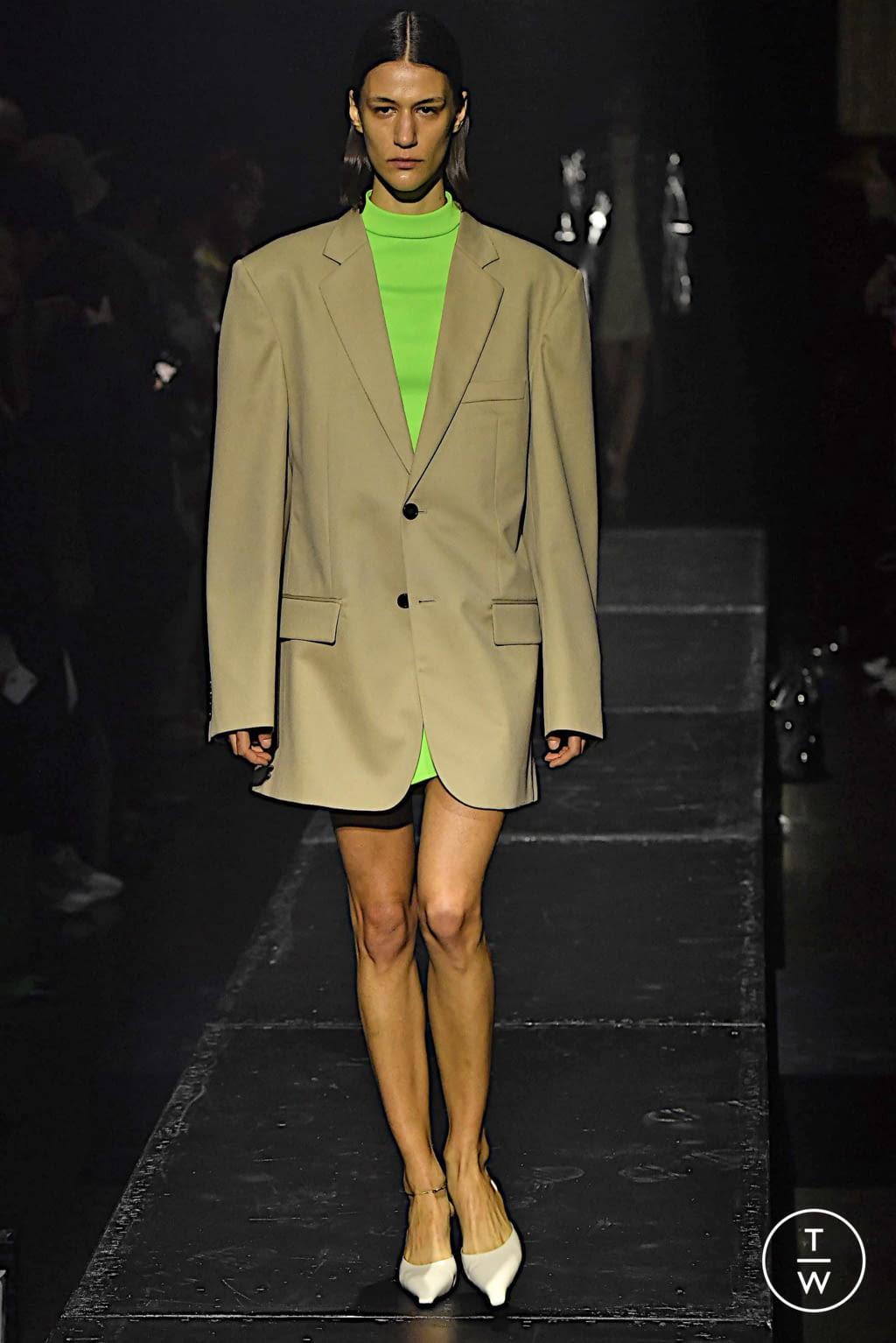 Fashion Week Paris Fall/Winter 2020 look 3 from the KWAIDAN EDITIONS collection womenswear
