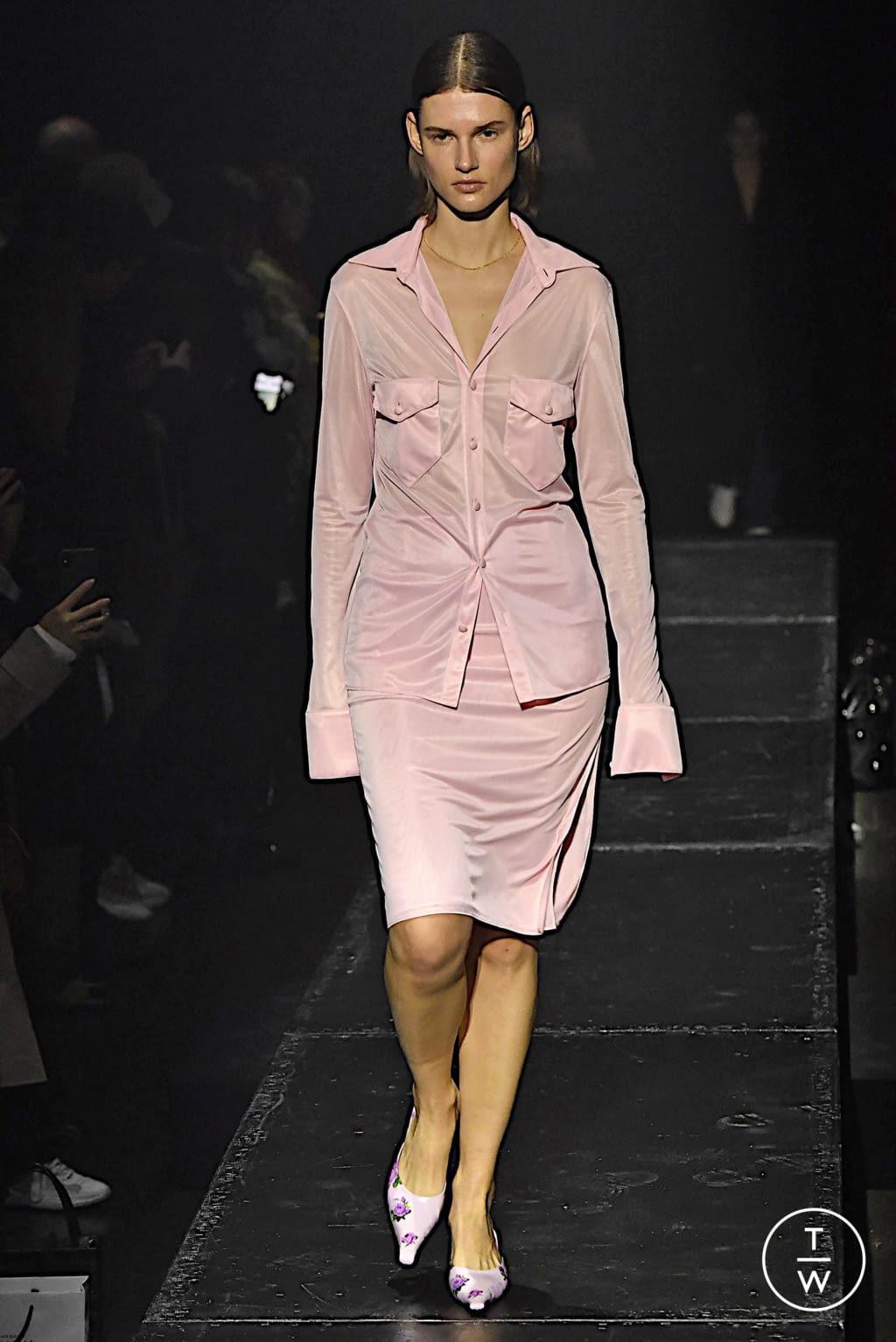 Fashion Week Paris Fall/Winter 2020 look 15 from the KWAIDAN EDITIONS collection womenswear