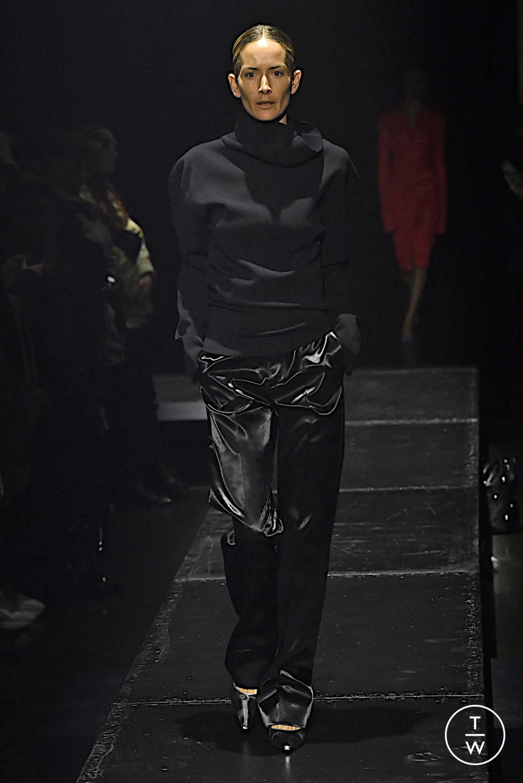 Fashion Week Paris Fall/Winter 2020 look 19 from the KWAIDAN EDITIONS collection womenswear