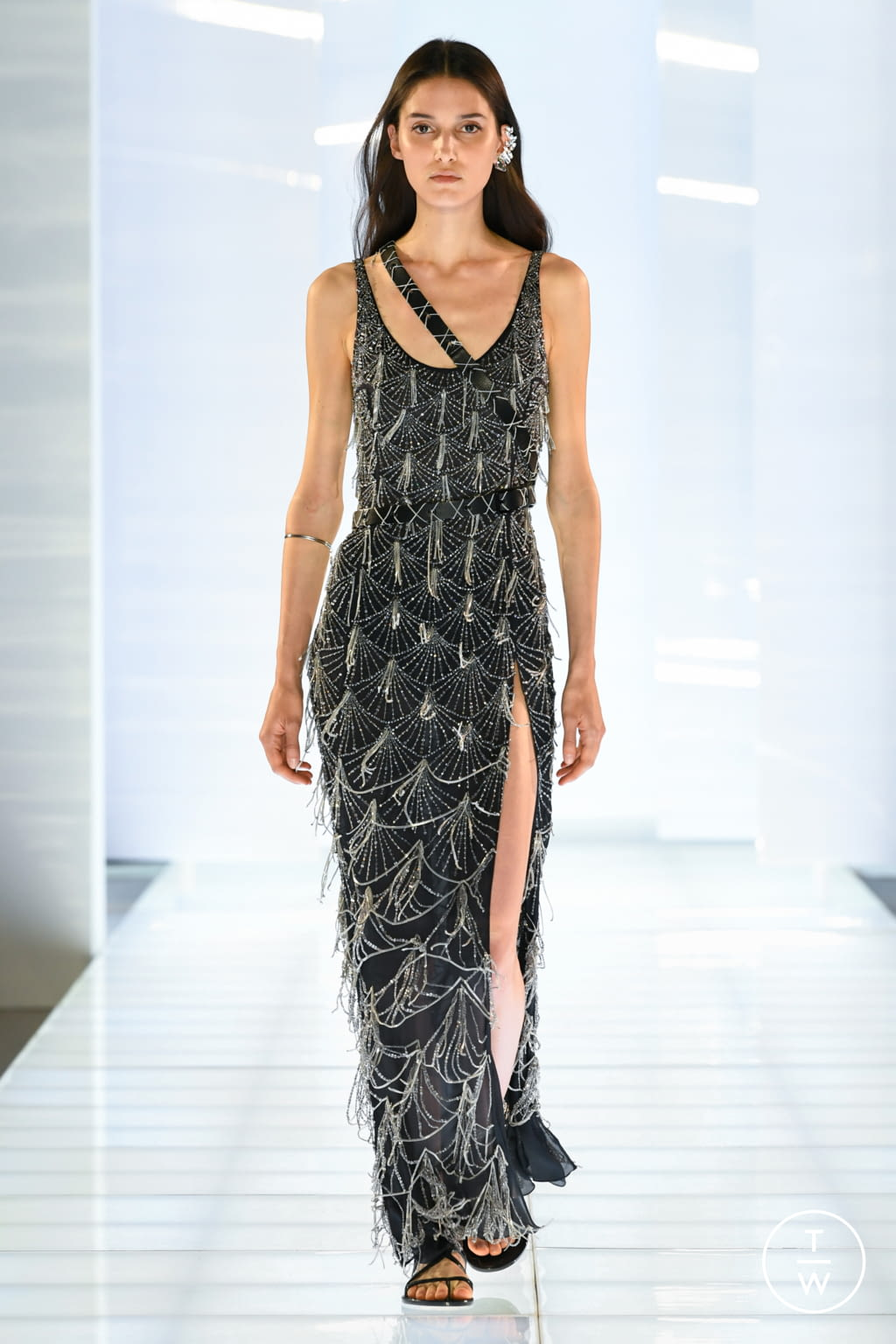 Fashion Week Paris Fall/Winter 2019 look 8 from the Azzaro collection couture