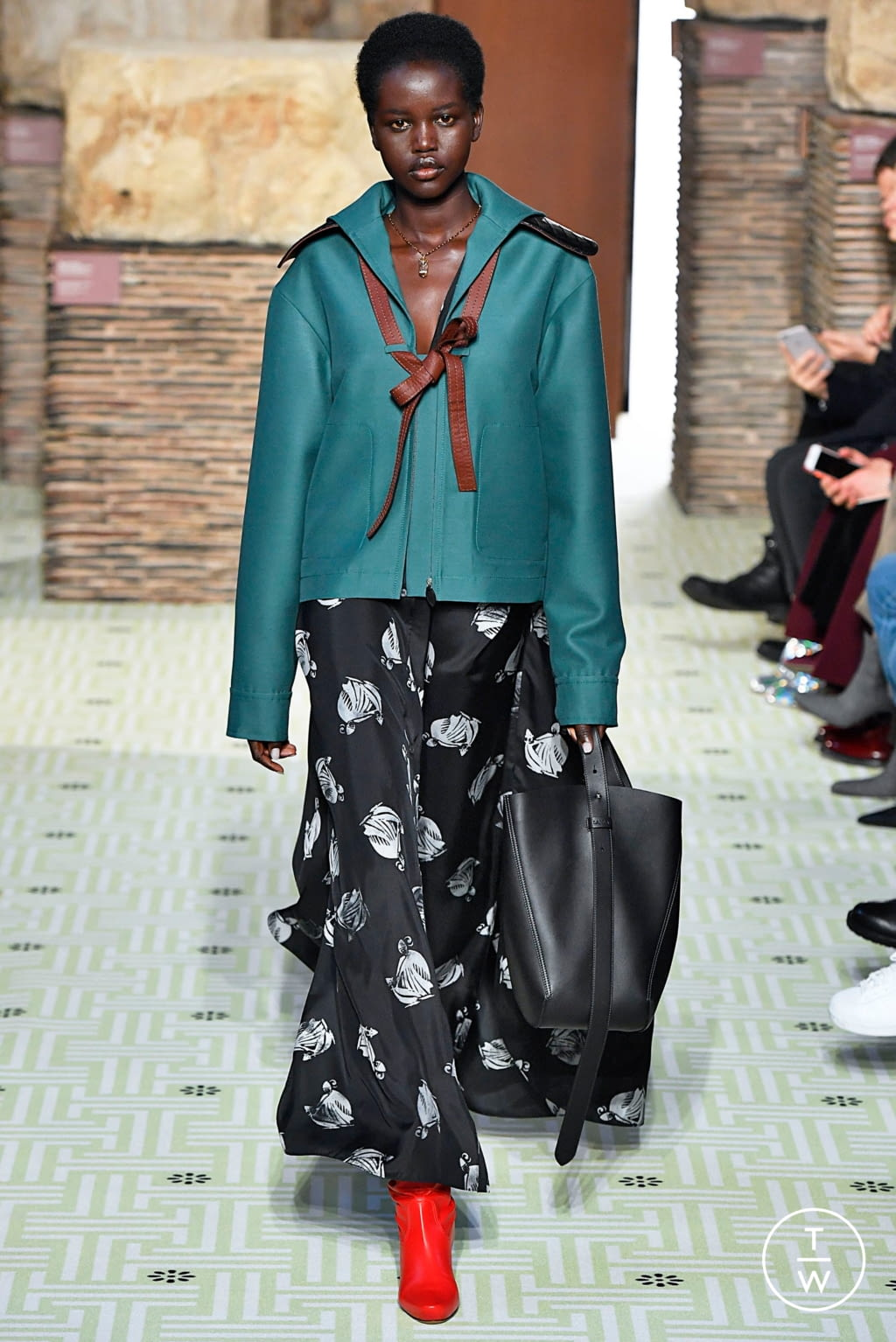 Fashion Week Paris Fall/Winter 2019 look 2 from the Lanvin collection womenswear