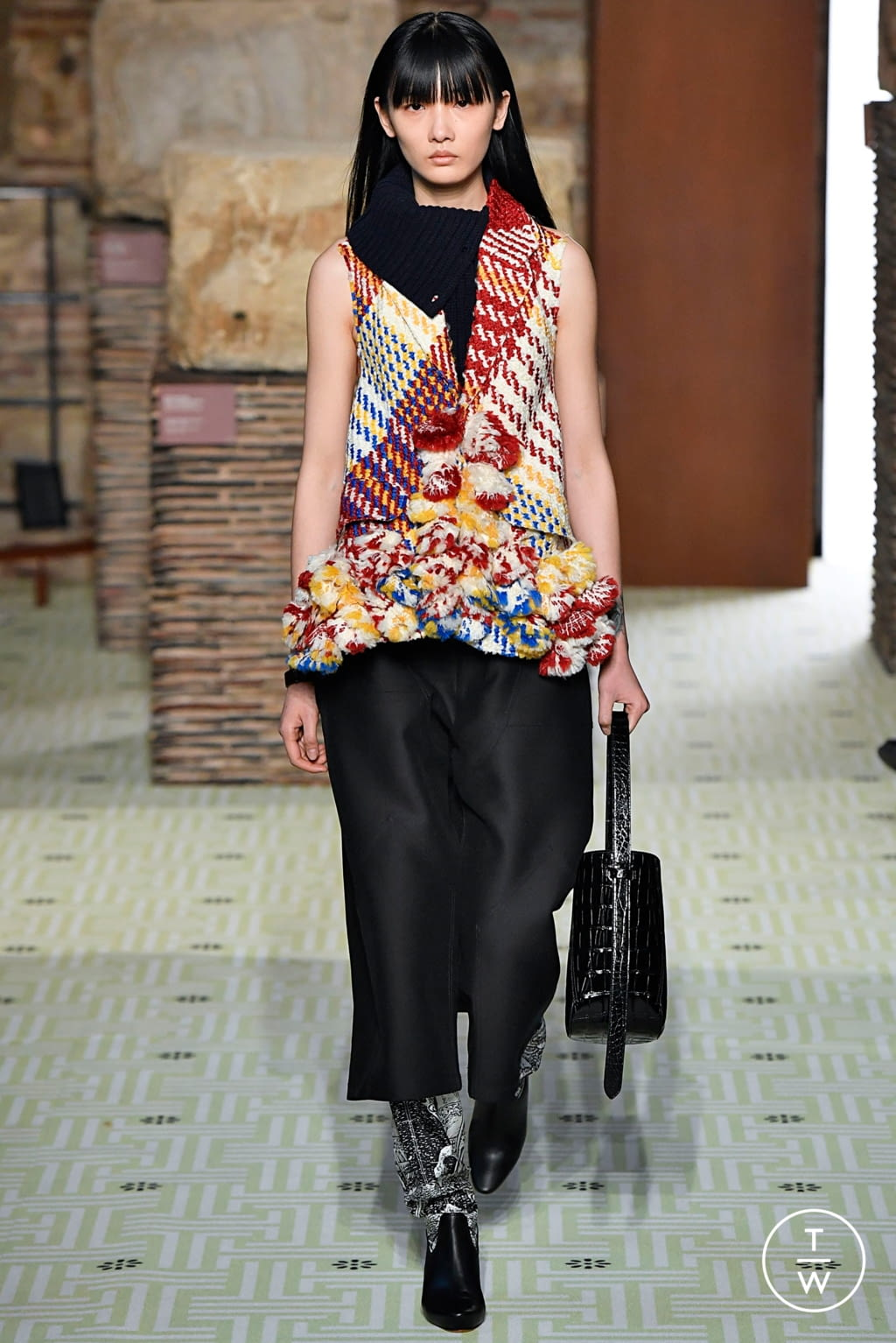 Fashion Week Paris Fall/Winter 2019 look 11 from the Lanvin collection womenswear
