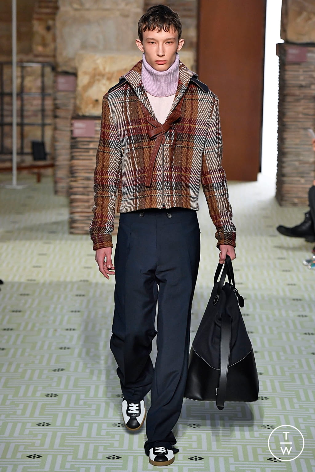 Fashion Week Paris Fall/Winter 2019 look 14 from the Lanvin collection womenswear