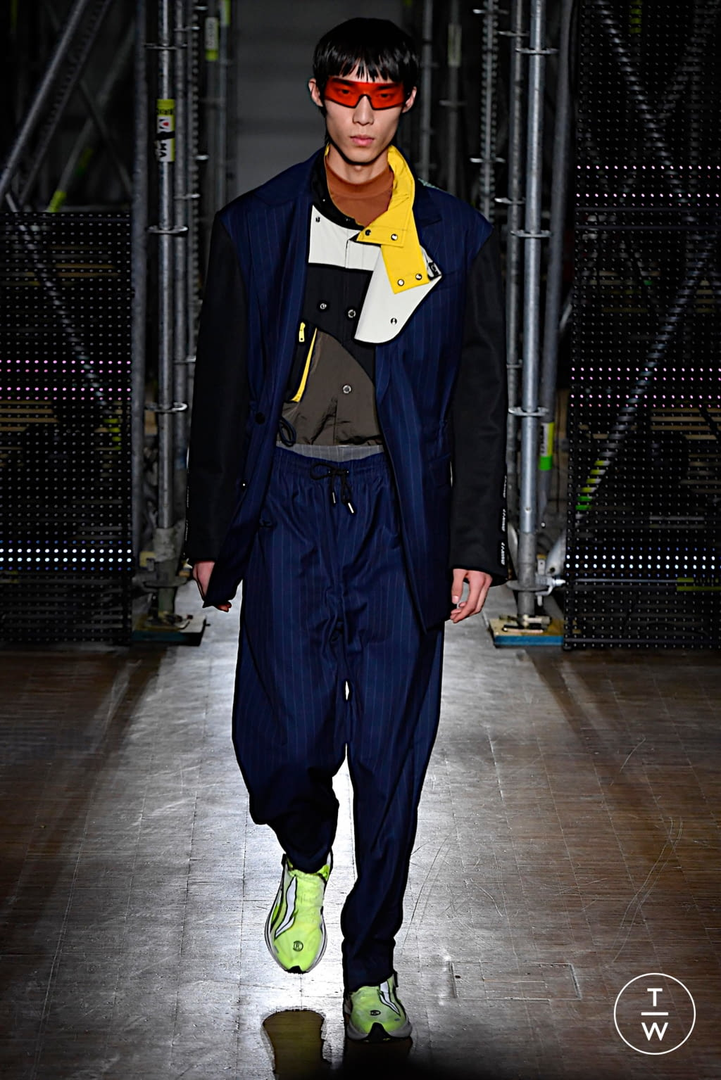 Fashion Week Paris Fall/Winter 2020 look 1 from the Li Ning collection menswear