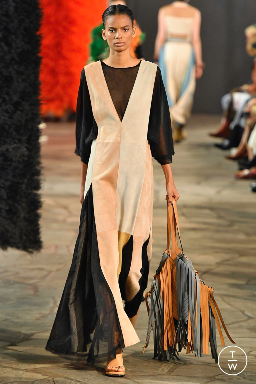 Fashion Week Paris Spring/Summer 2019 look 8 from the Loewe collection womenswear