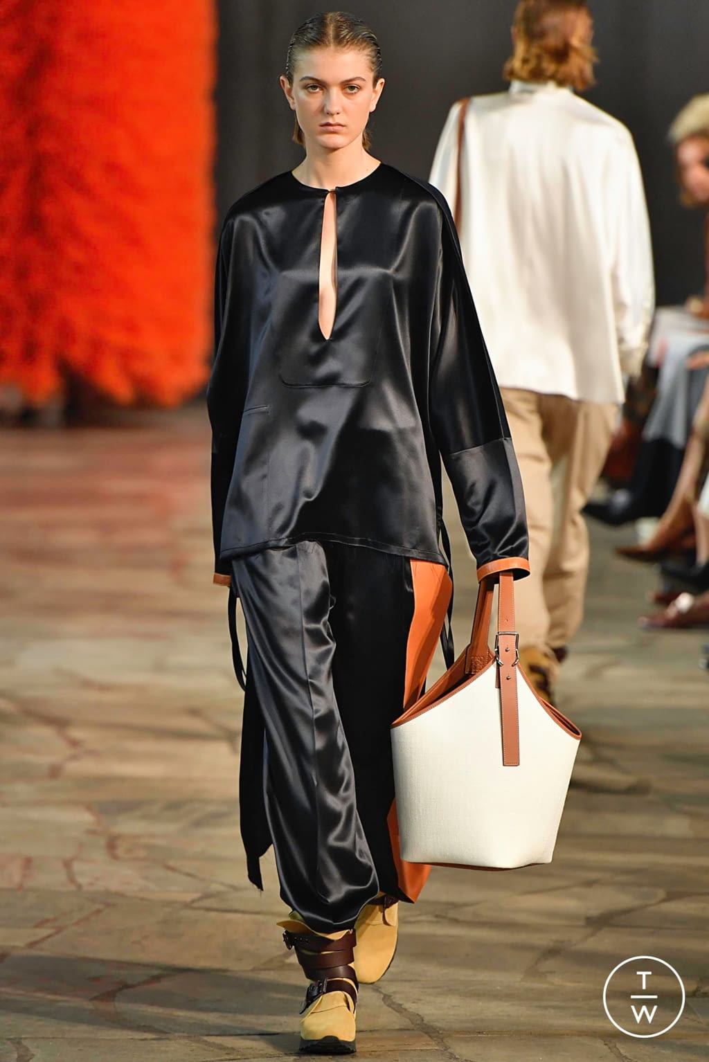 Fashion Week Paris Spring/Summer 2019 look 12 from the Loewe collection womenswear