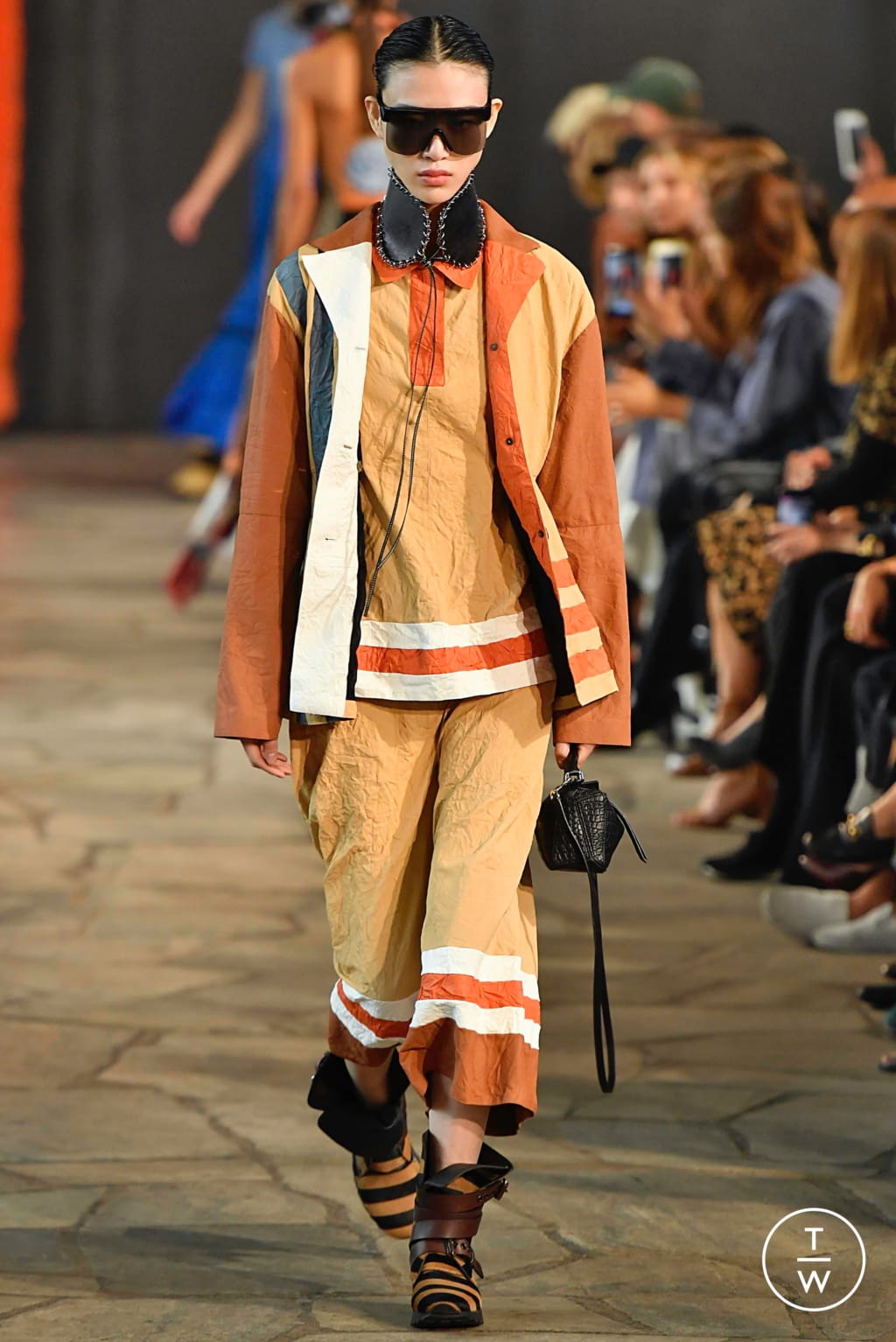 Fashion Week Paris Spring/Summer 2019 look 13 from the Loewe collection womenswear