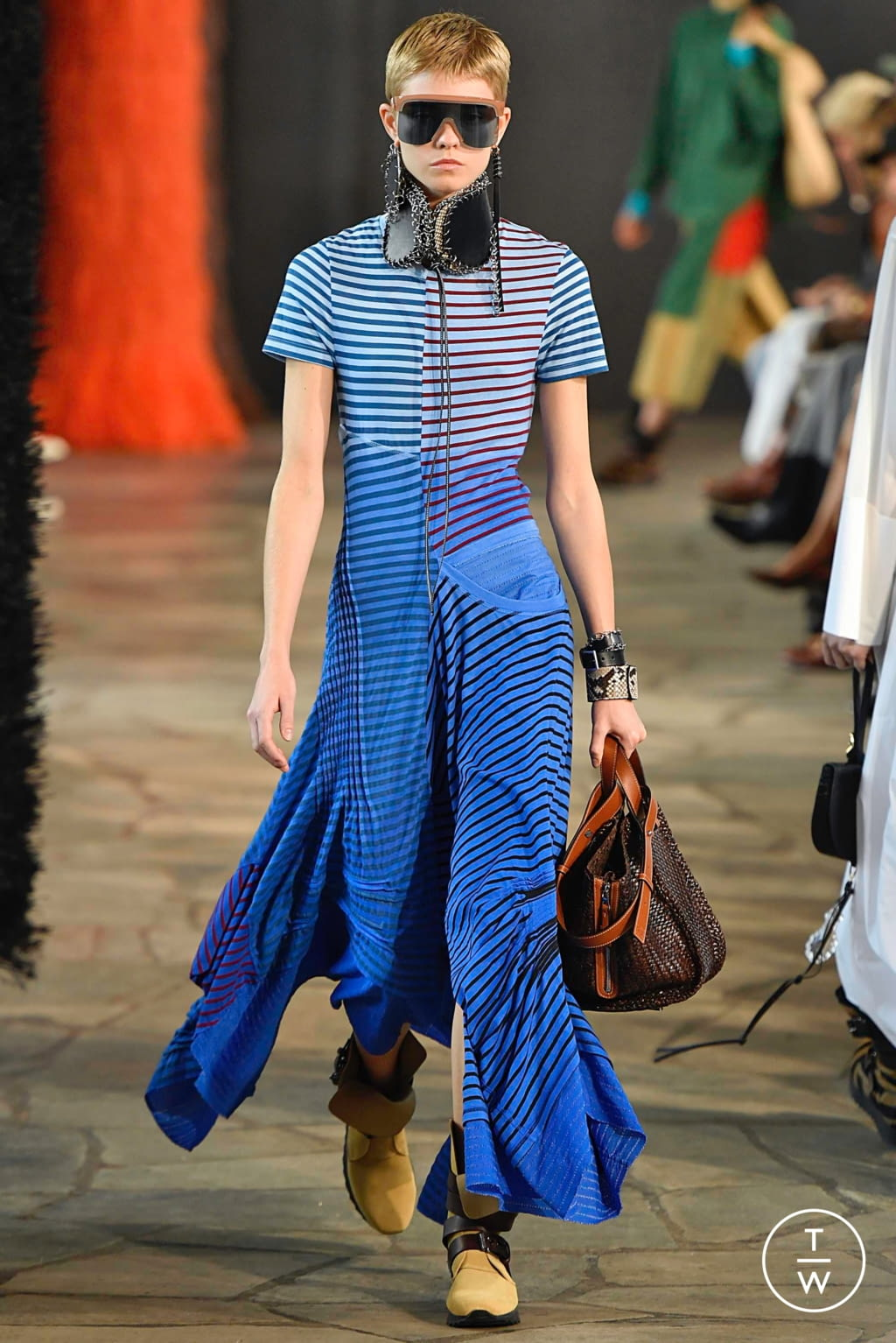 Fashion Week Paris Spring/Summer 2019 look 14 from the Loewe collection womenswear