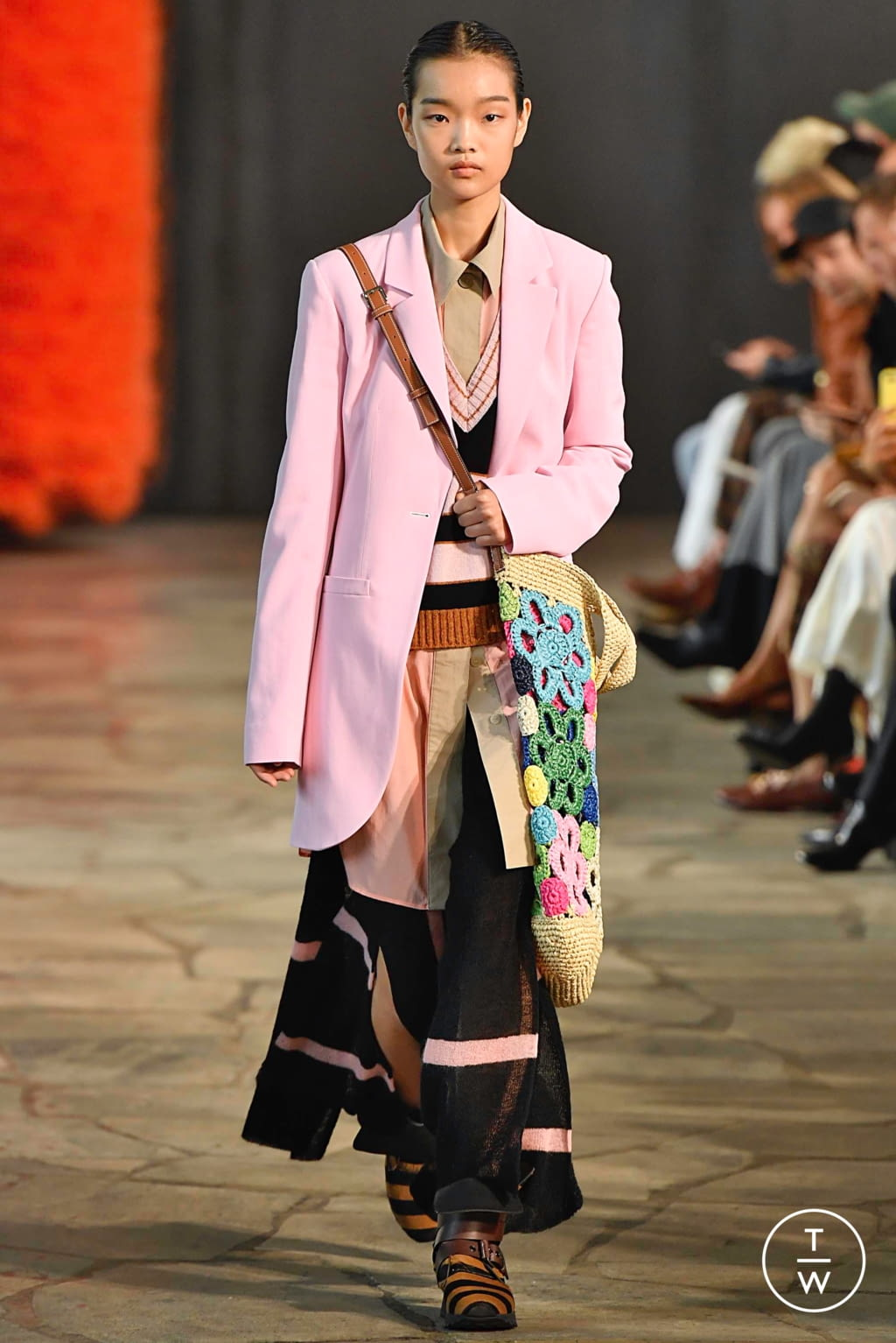 Fashion Week Paris Spring/Summer 2019 look 16 from the Loewe collection womenswear