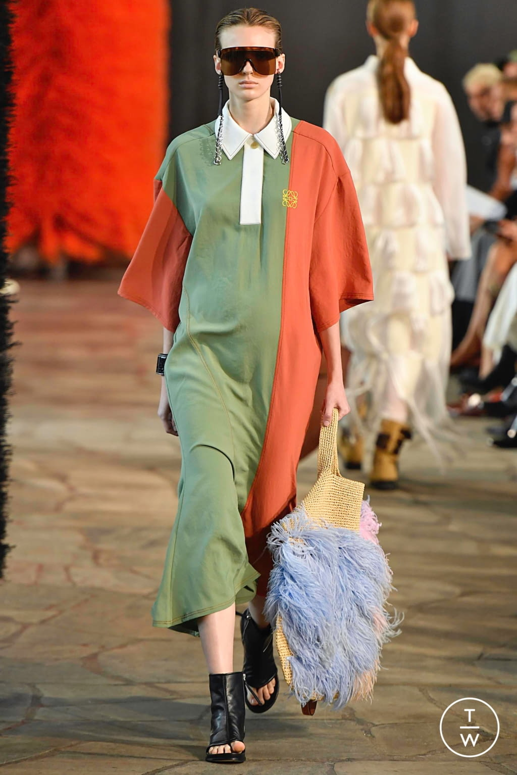 Fashion Week Paris Spring/Summer 2019 look 44 from the Loewe collection womenswear