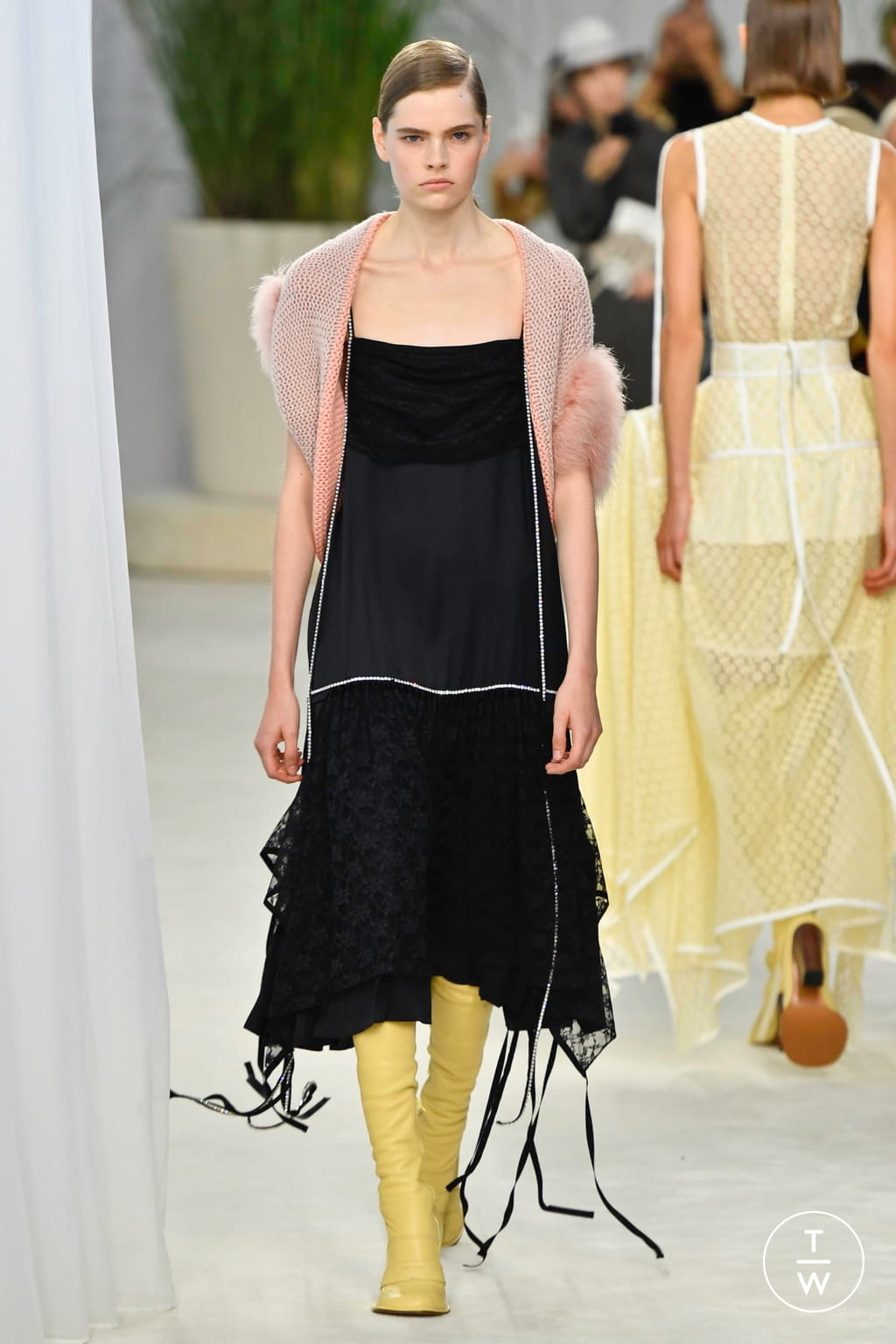 Fashion Week Paris Spring/Summer 2020 look 9 de la collection Loewe womenswear