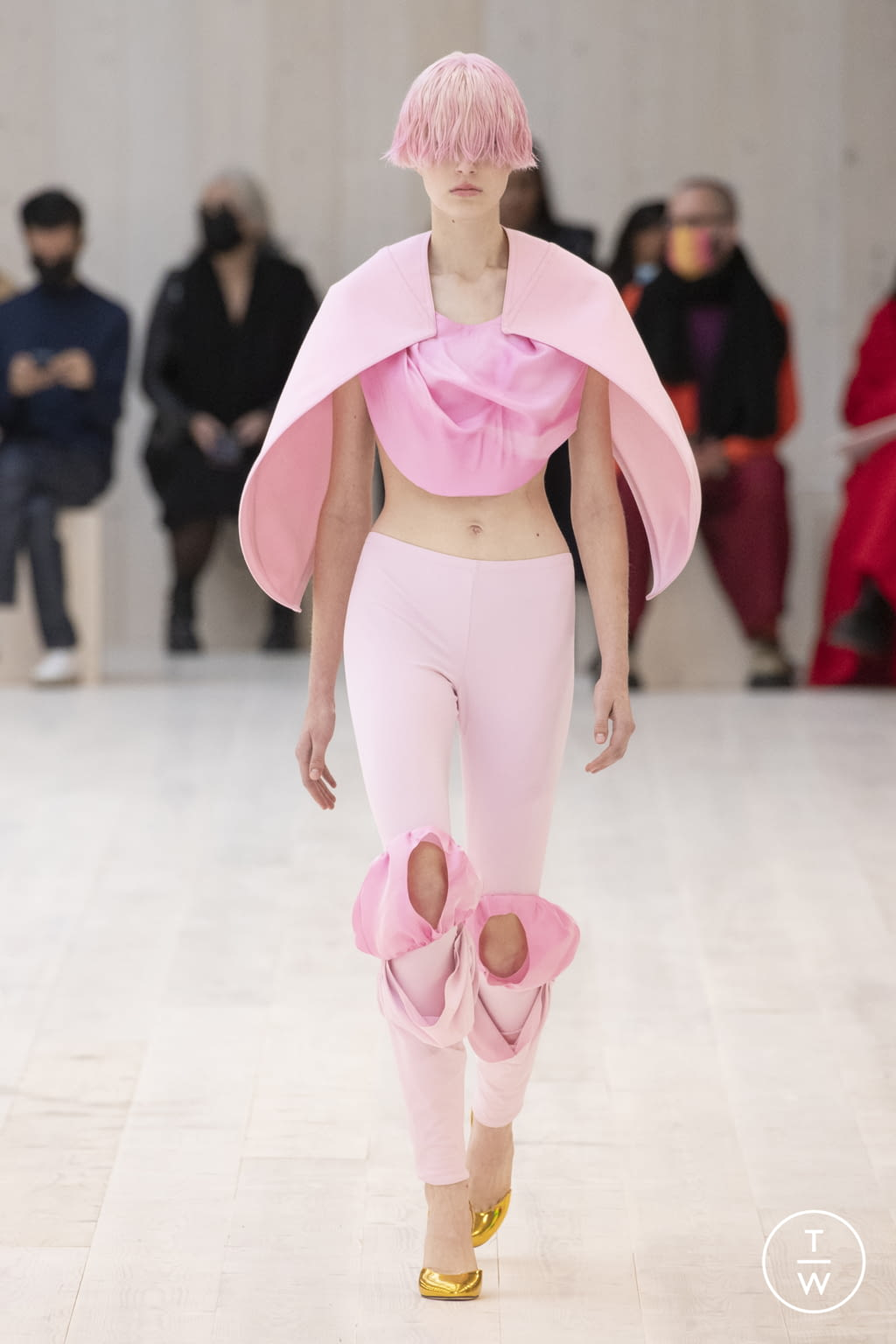 Fashion Week Paris Spring/Summer 2022 look 18 from the Loewe collection womenswear