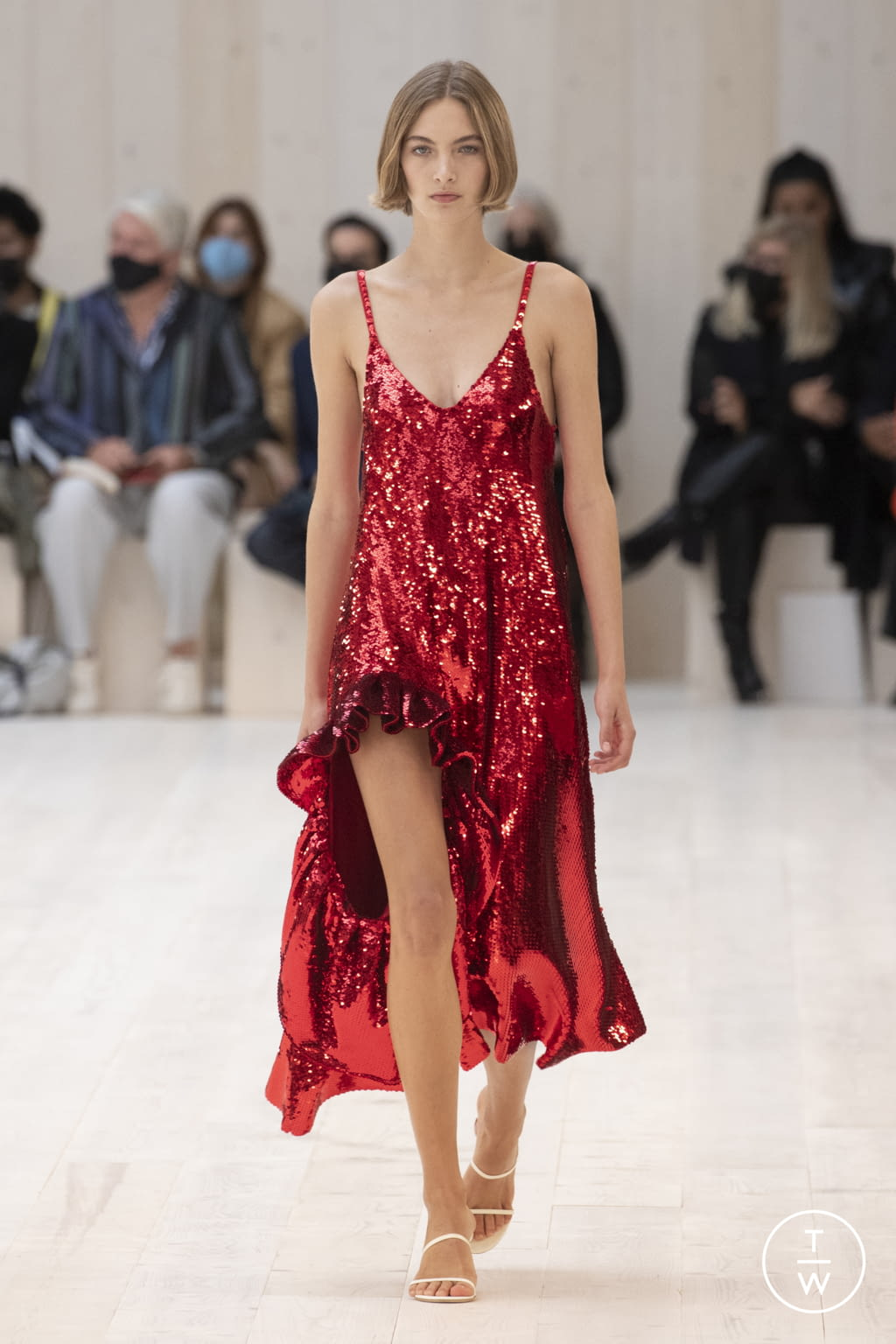 Fashion Week Paris Spring/Summer 2022 look 42 from the Loewe collection womenswear