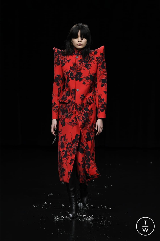 Fashion Week Paris Fall/Winter 2020 look 67 from the Balenciaga collection womenswear