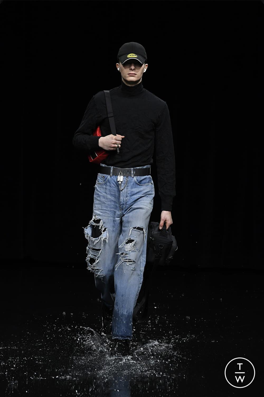 Fashion Week Paris Fall/Winter 2020 look 72 from the Balenciaga collection womenswear