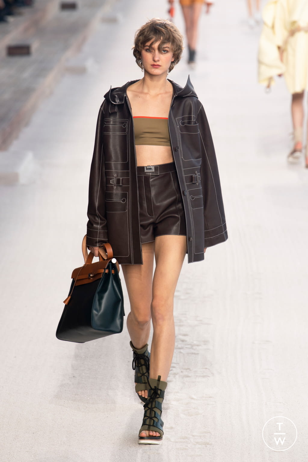 Fashion Week Paris Spring/Summer 2019 look 7 from the Hermès collection womenswear