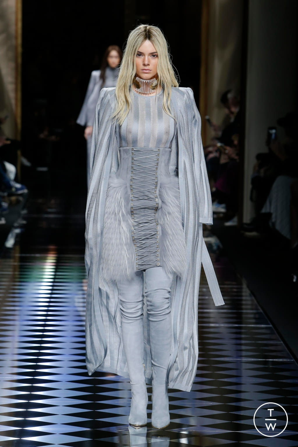 Fashion Week Paris Fall/Winter 2016 look 1 from the Balmain collection womenswear